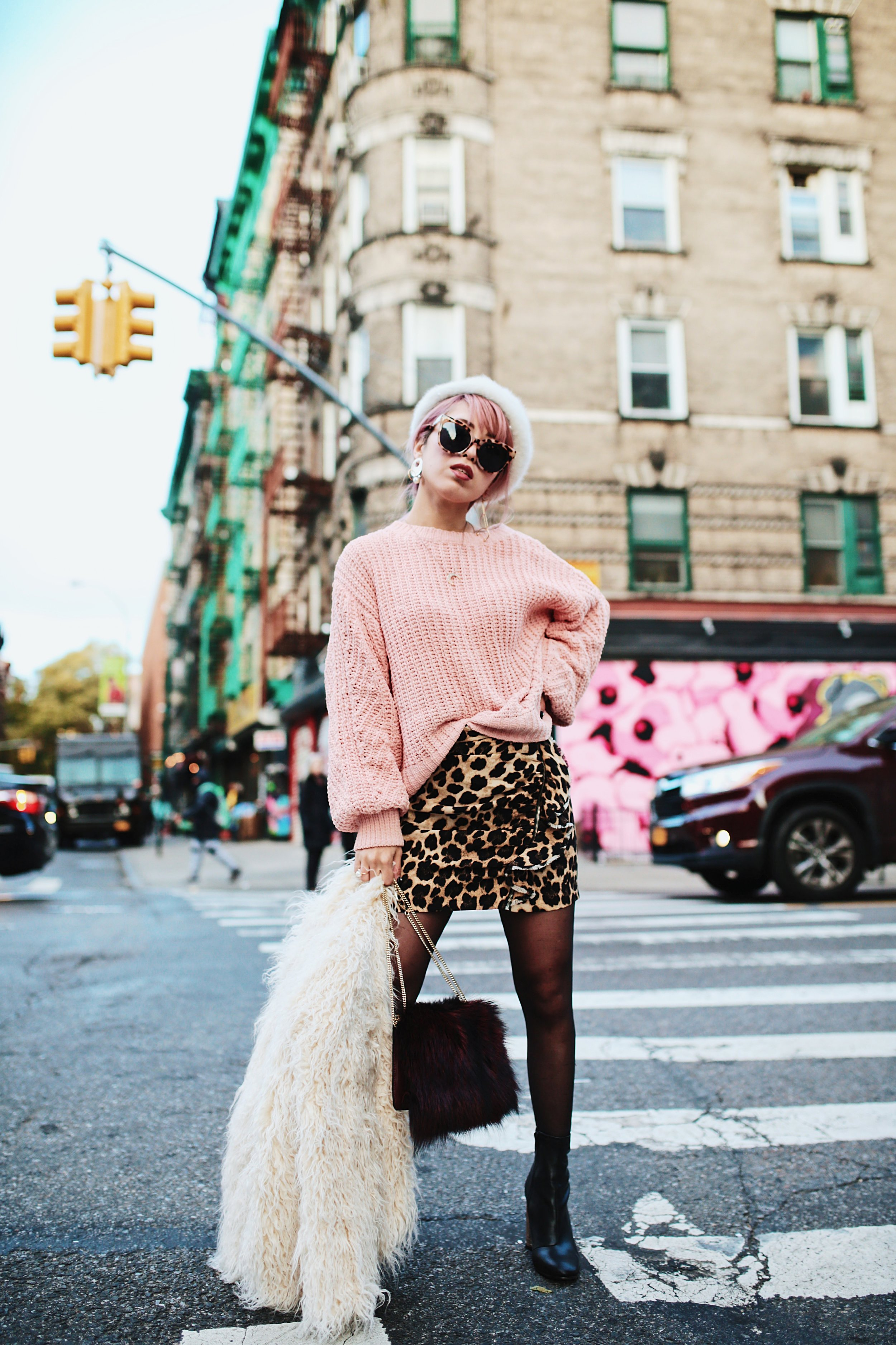 H&M Pink Sweater-Zara leopar prins mini skirt-H&M white shaggy coat-DVF fur bag-anthropologie white beret-Urban Outfitters Sunglasses-ALDO Ankle Boots-Mango Earrings-Aikas Love Closet-New York City-Pink Hair-Style Fashion Blogger-Seattle-Japanese_Petite fashion blogger