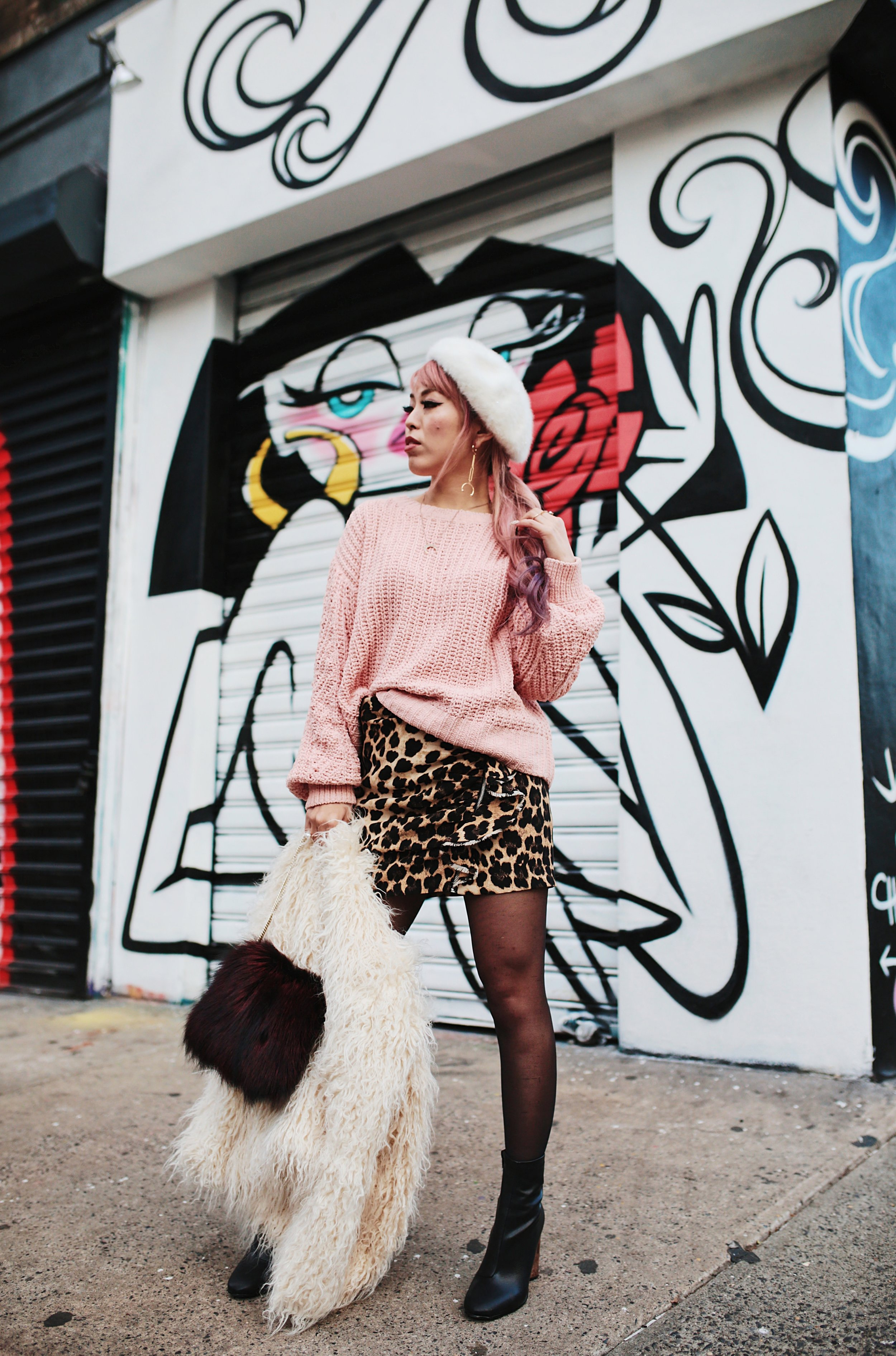 H&M Pink Sweater-Zara leopar prins mini skirt-H&M white shaggy coat-DVF fur bag-anthropologie white beret-Urban Outfitters Sunglasses-ALDO Ankle Boots-Mango Earrings-Aikas Love Closet-New York City-Pink Hair-Style Fashion Blogger-Seattle-Japanese_Petite fashion blogger 14