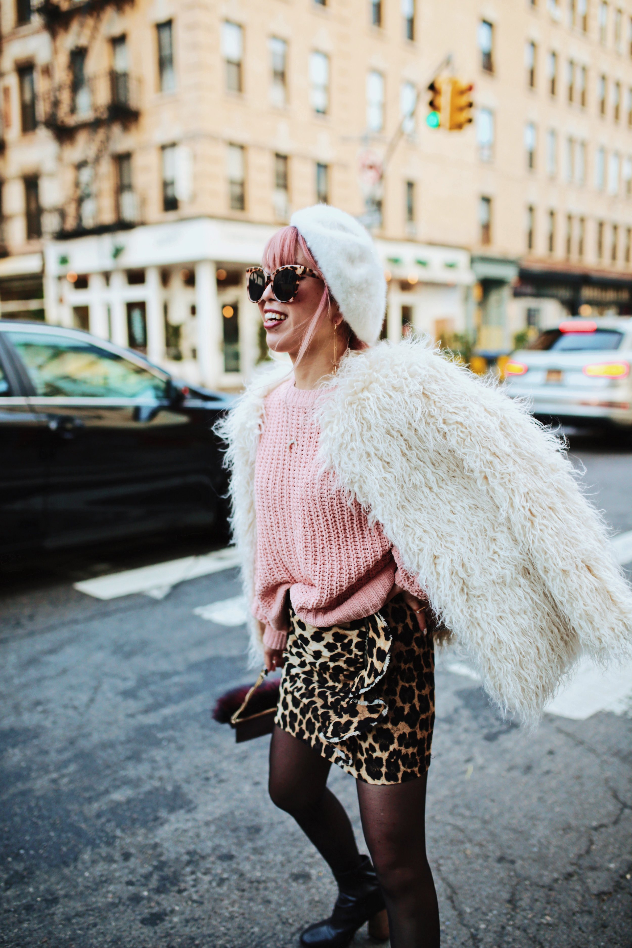 H&M Pink Sweater-Zara leopar prins mini skirt-H&M white shaggy coat-DVF fur bag-anthropologie white beret-Urban Outfitters Sunglasses-ALDO Ankle Boots-Mango Earrings-Aikas Love Closet-New York City-Pink Hair-Style Fashion Blogger-Seattle-Japanese_Petite fashion blogger 28