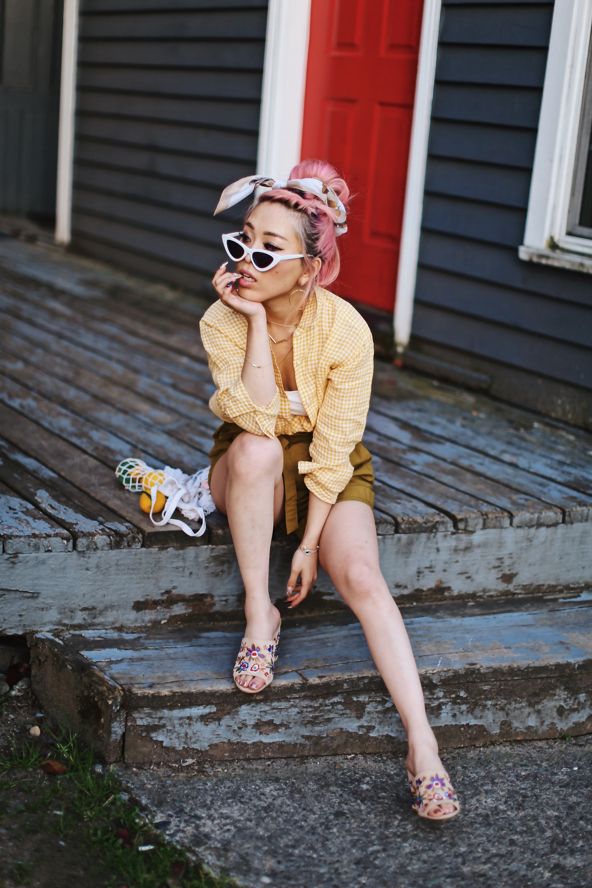 Uniqlo yellow Linen gingham shirt-Uniqlo olive paperbag shorts-Uniqlo Airism bratop-White Cat eye sunglasses ZERO UV- Pipe + Row White net bag-Vintage scarf bun hairstyle-ALDO Embroidered Nude mules-Aika's Love Closet-seattle fashion style blogger-Japanese-pink hair-smiling-spring fashion 4