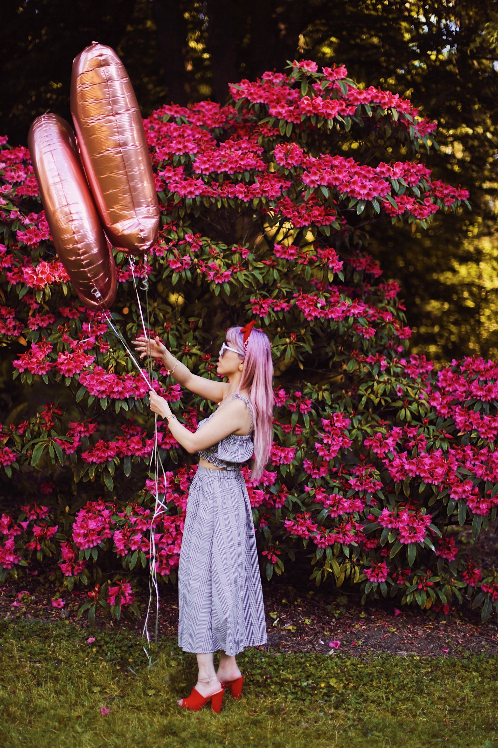Aika's Love Closet-Seattle Style Life Style Blogger-Japanese-10 Year Anniversary-living in America-what I've learned from Living Abroad-life lessons-pink hair-zero uv heart sunglasses-rose gold balloons-smile 5