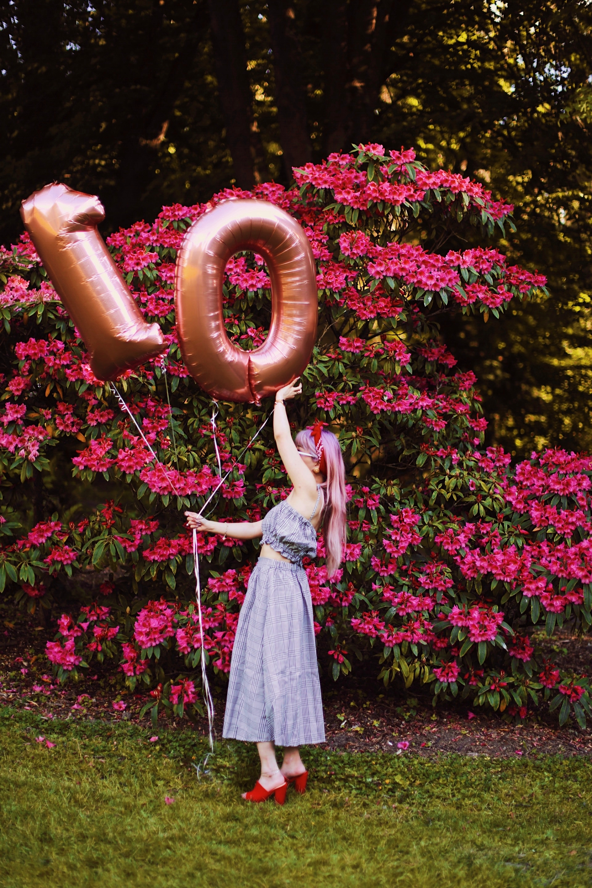 Aika's Love Closet-Seattle Style Life Style Blogger-Japanese-10 Year Anniversary-living in America-what I've learned from Living Abroad-life lessons-pink hair-zero uv heart sunglasses-rose gold balloons-smile 7