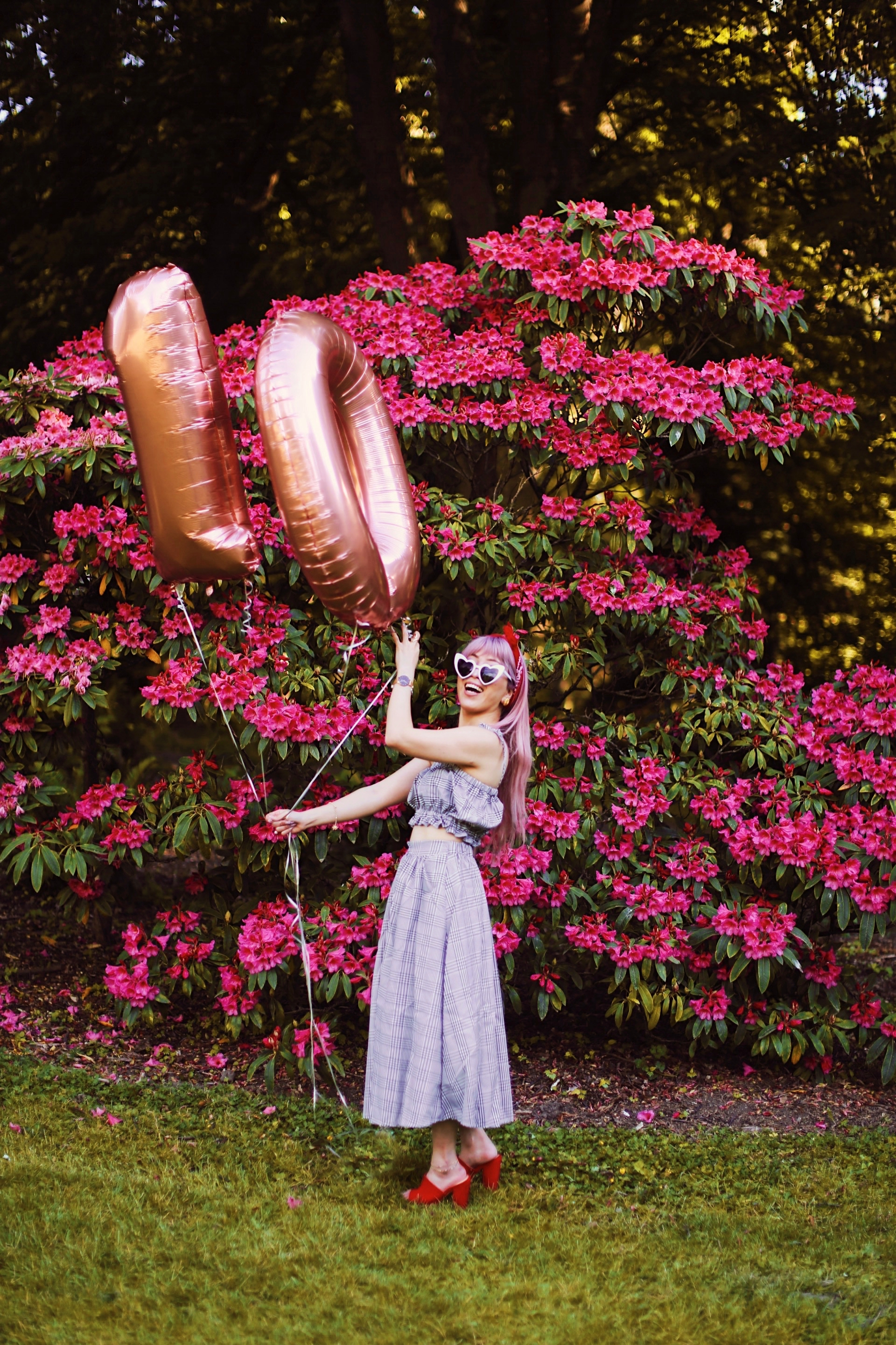 Aika's Love Closet-Seattle Style Life Style Blogger-Japanese-10 Year Anniversary-living in America-what I've learned from Living Abroad-life lessons-pink hair-zero uv heart sunglasses-rose gold balloons-smile 8