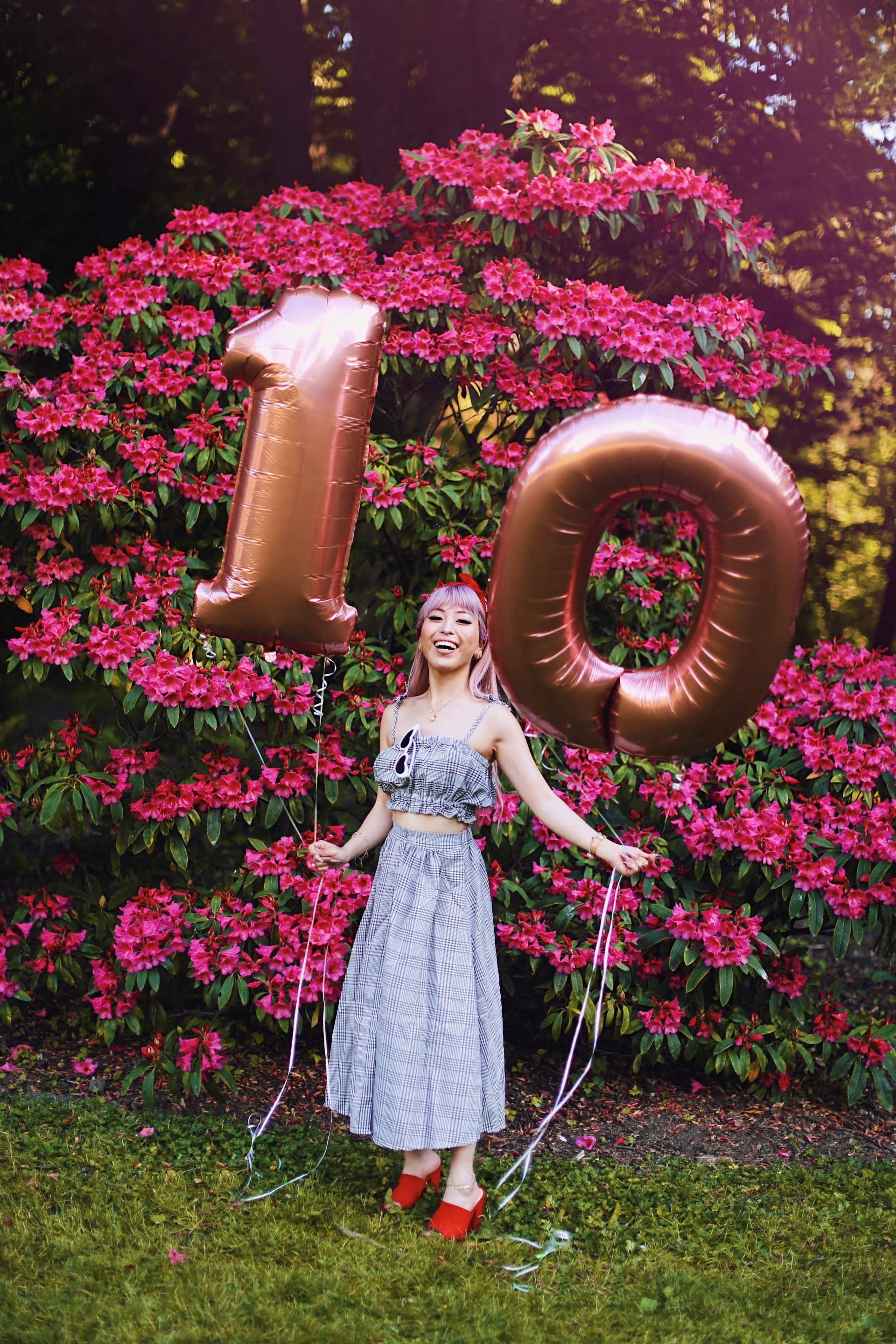 Aika's Love Closet-Seattle Style Life Style Blogger-Japanese-10 Year Anniversary-living in America-what I've learned from Living Abroad-life lessons-pink hair-zero uv heart sunglasses-rose gold balloons-smile 12