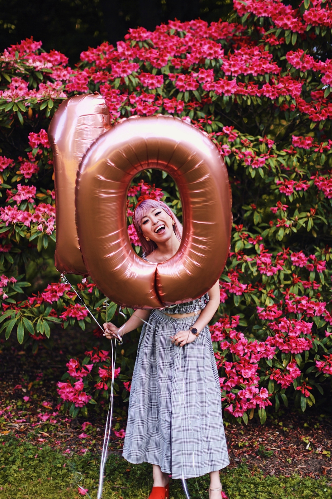 Aika's Love Closet-Seattle Style Life Style Blogger-Japanese-10 Year Anniversary-living in America-what I've learned from Living Abroad-life lessons-pink hair-zero uv heart sunglasses-rose gold balloons-smile 19
