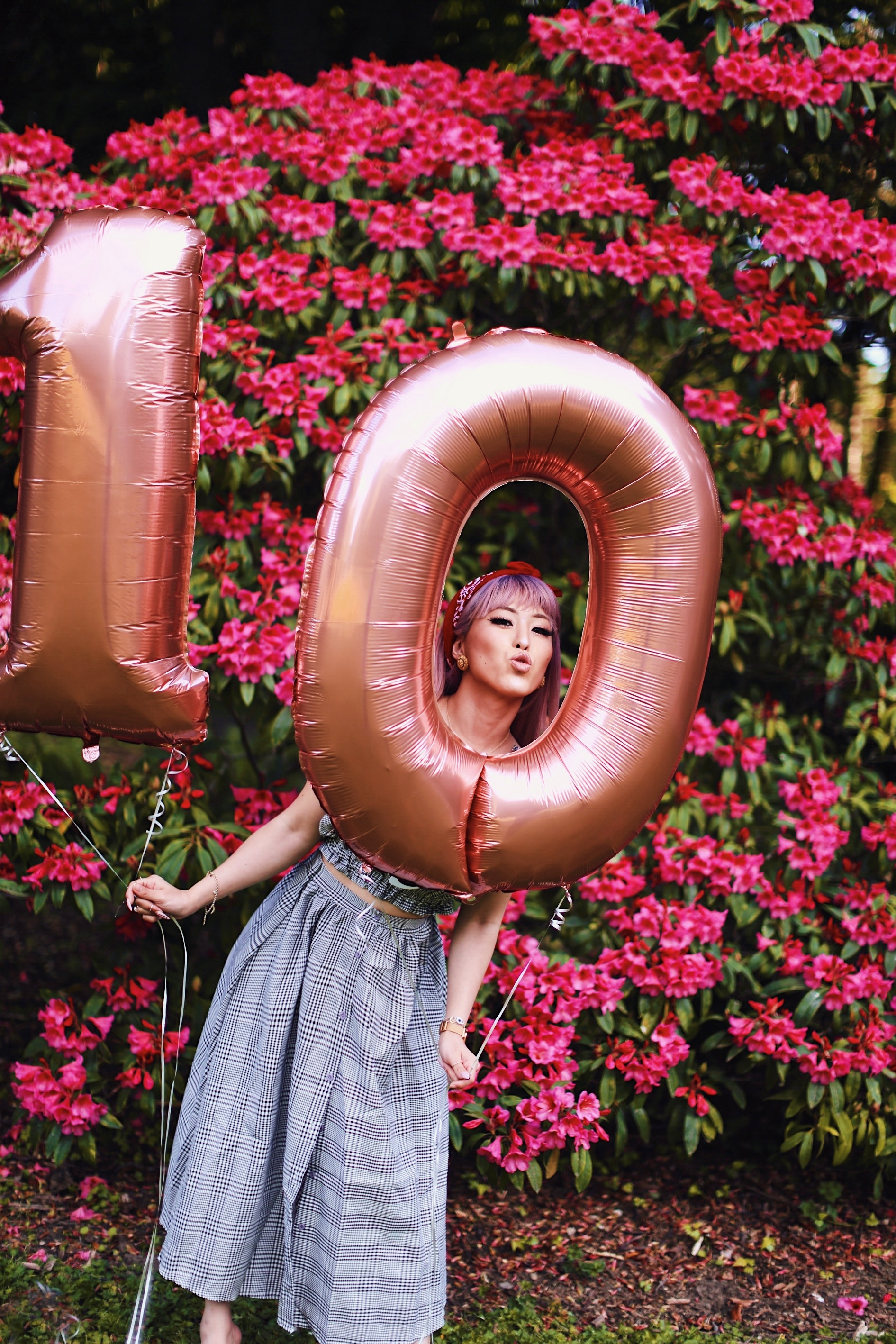 Aika's Love Closet-Seattle Style Life Style Blogger-Japanese-10 Year Anniversary-living in America-what I've learned from Living Abroad-life lessons-pink hair-zero uv heart sunglasses-rose gold balloons-smile 22