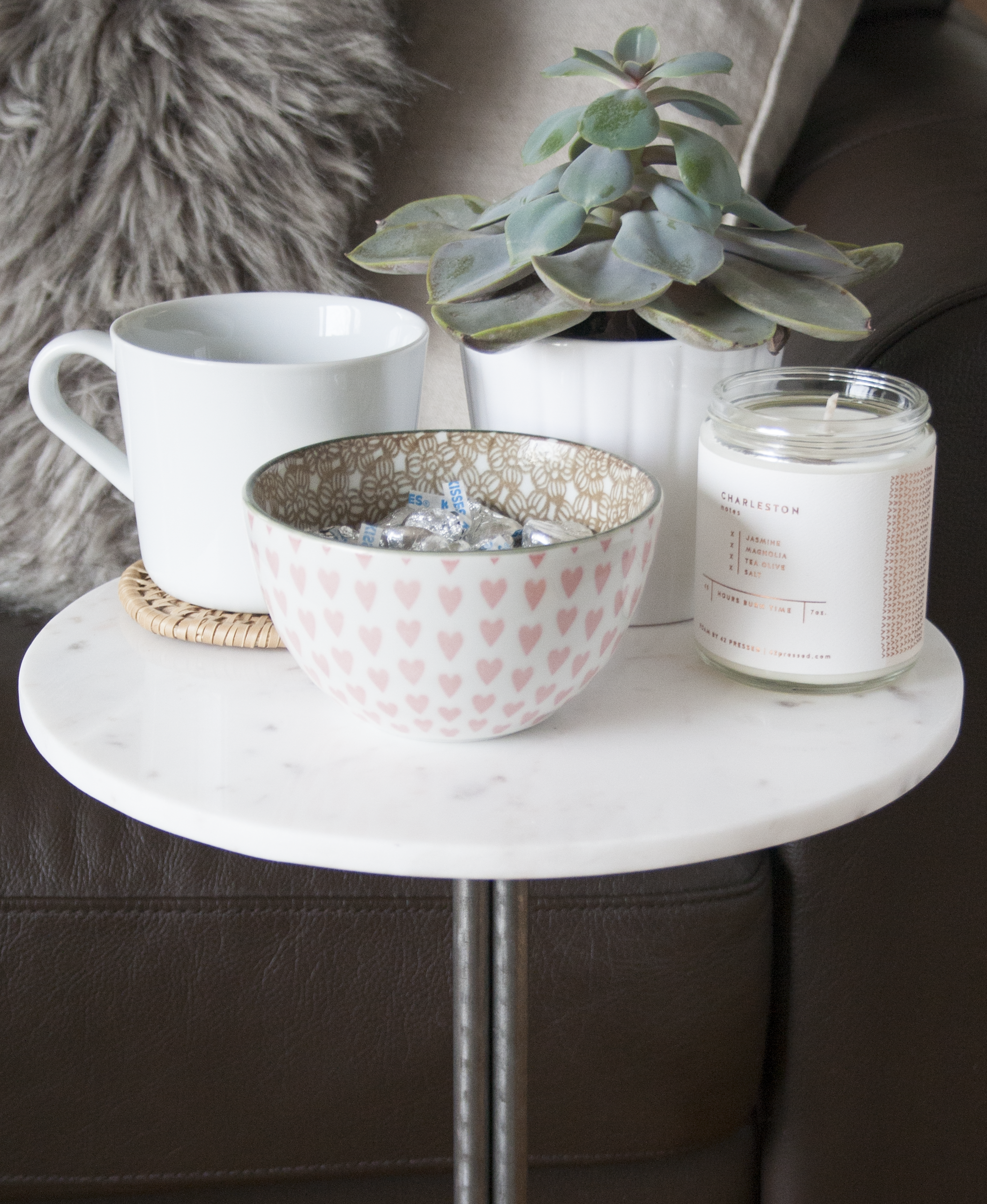 diy marble accent table | sarah makes stuff