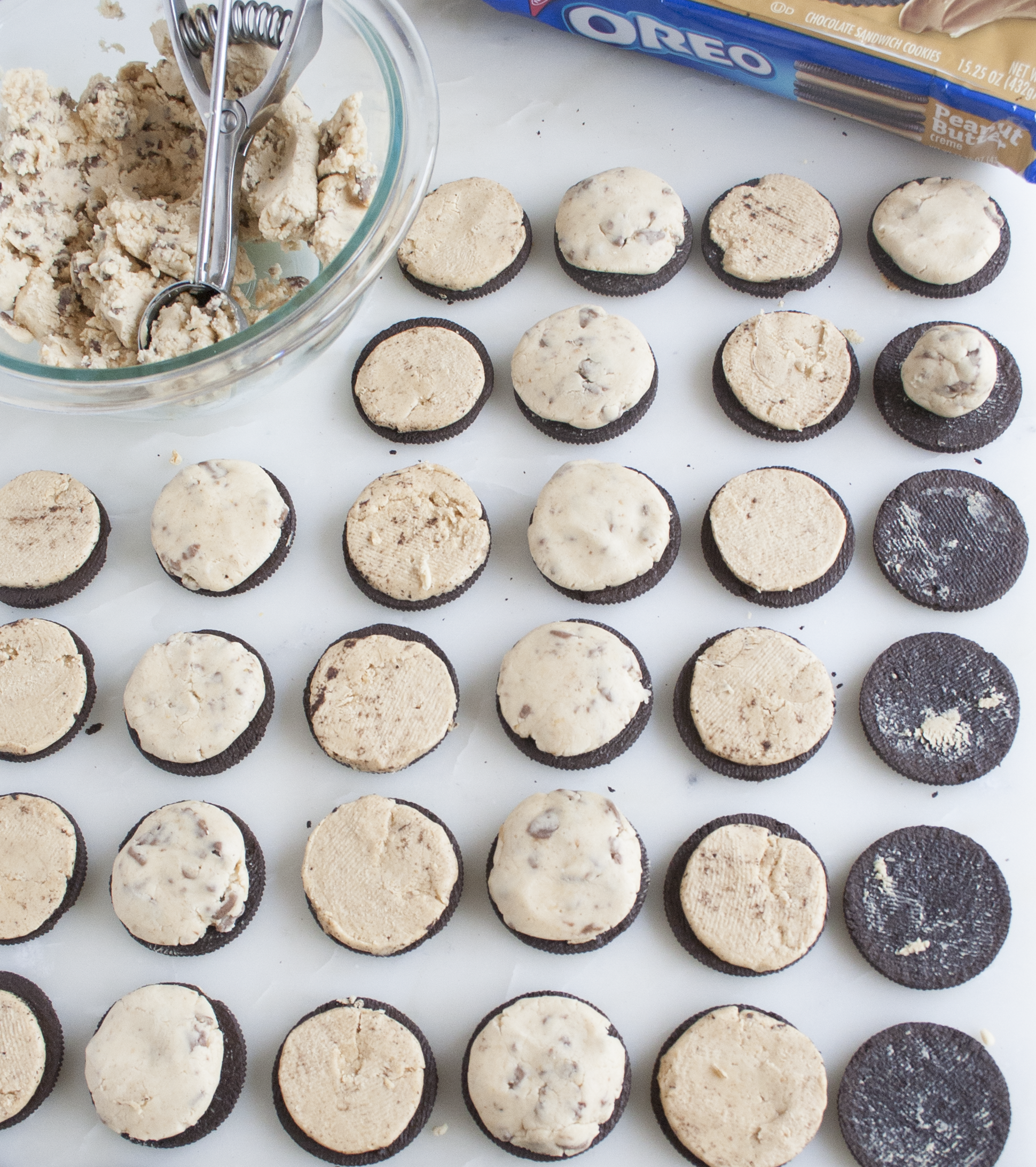 peanut butter cookie dough stuffed oreos | sarah makes stuff