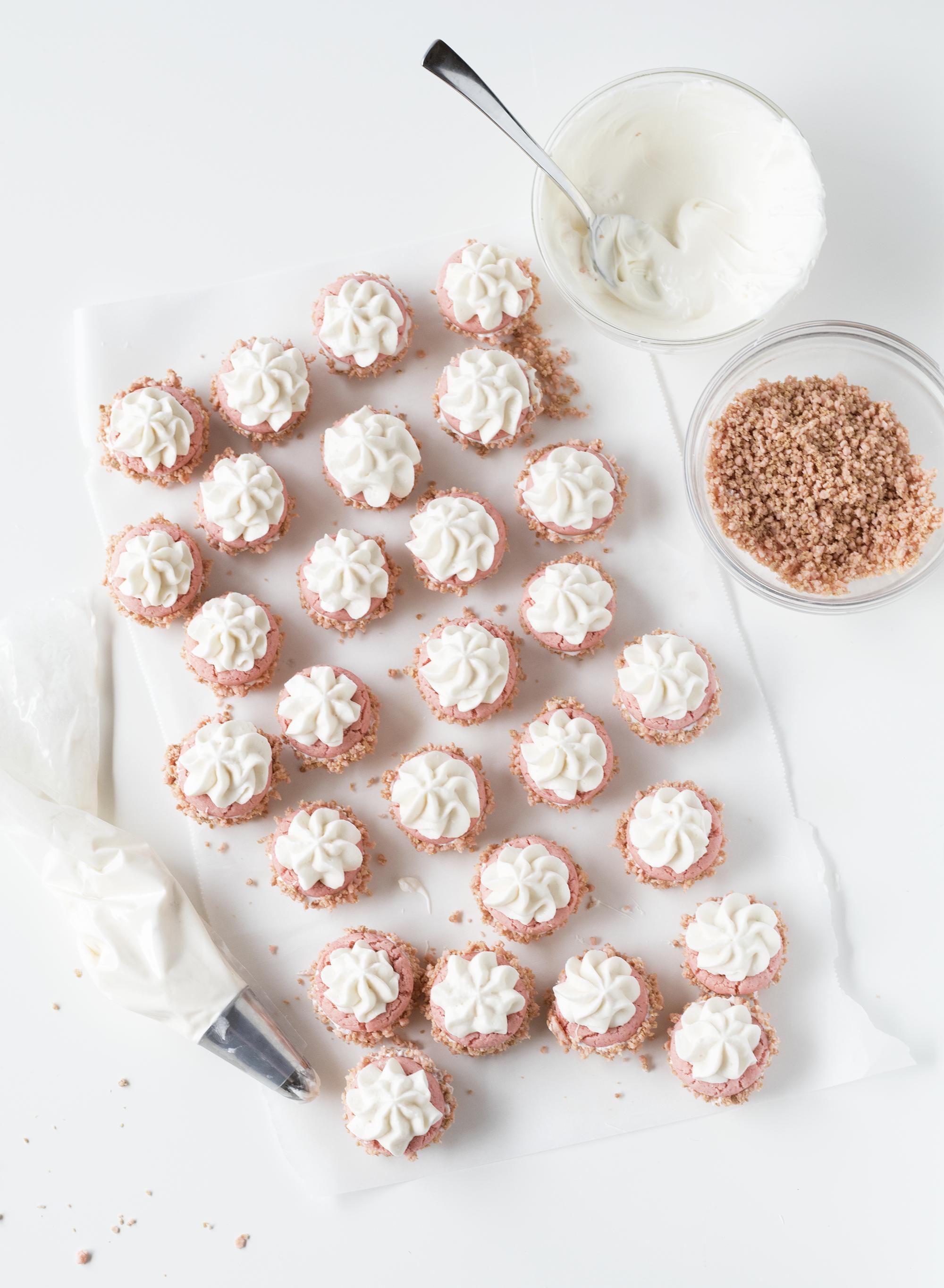 Strawberry Kit Kat Mini Cheesecake Cups | Sarah Makes Stuff
