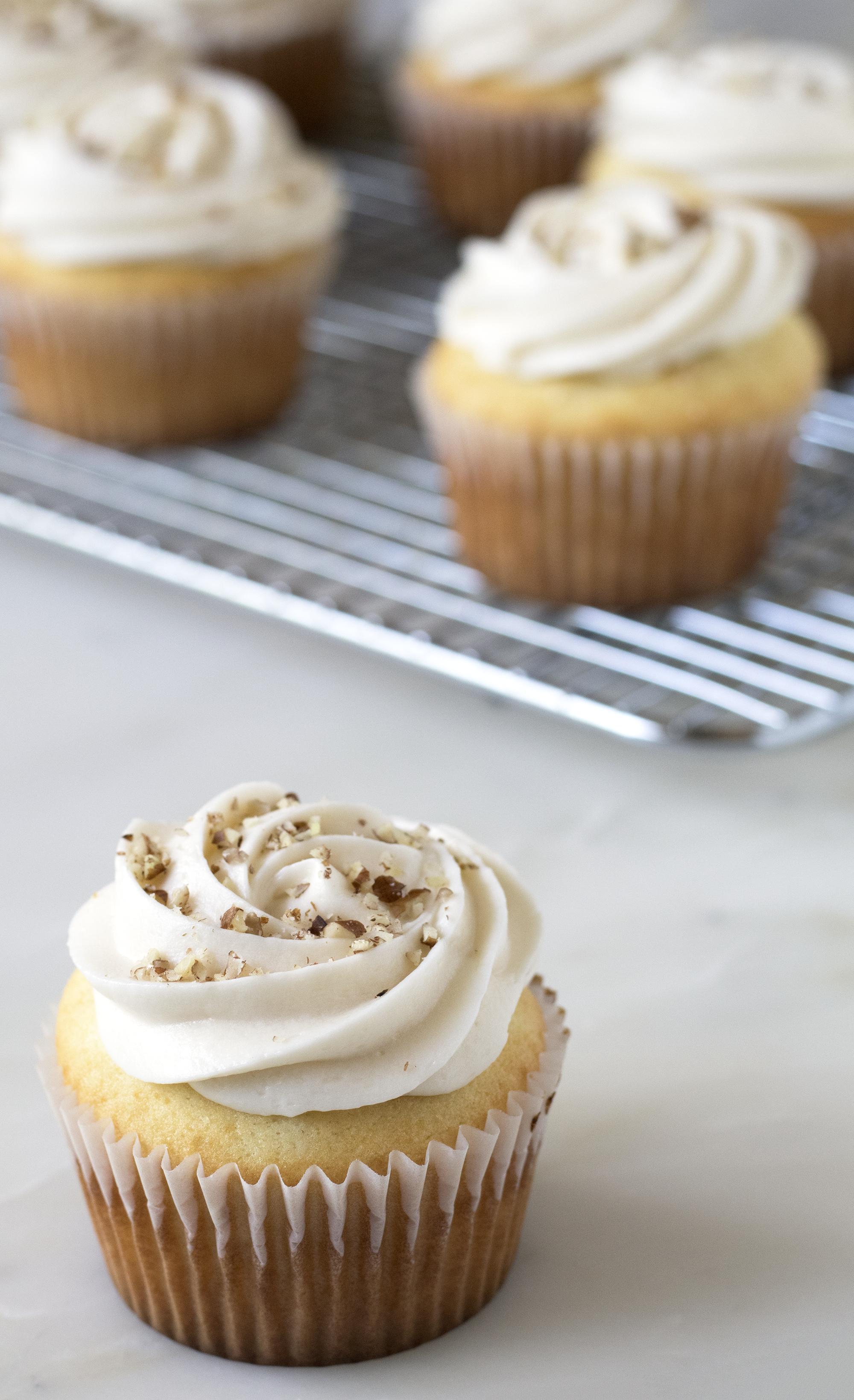 Lady Lyanna Baltimormont Cupcakes | Sarah Makes Stuff