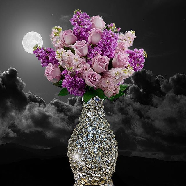 Our #bling is back in stock for Spring 💐 🕉 🕉 🕉 🕉 🕉 🕉 🕉 🕉 🕉 🕉 🕉 🕉  #homedecor #candleholders  #vase #decorativevase #decorativemirrors #decorimports #escadiluce #luxe #fabdecor #cakestands #caketrays #lightandlove #wallmirrors #centerpieces #homedecorator #homedecorating #weddingdecor #weddingcenterpieces #partydecor #weddings #interiordesign #interiordesigner #eventplanning #interiordesign #boutique #walldecor #homedecorideas