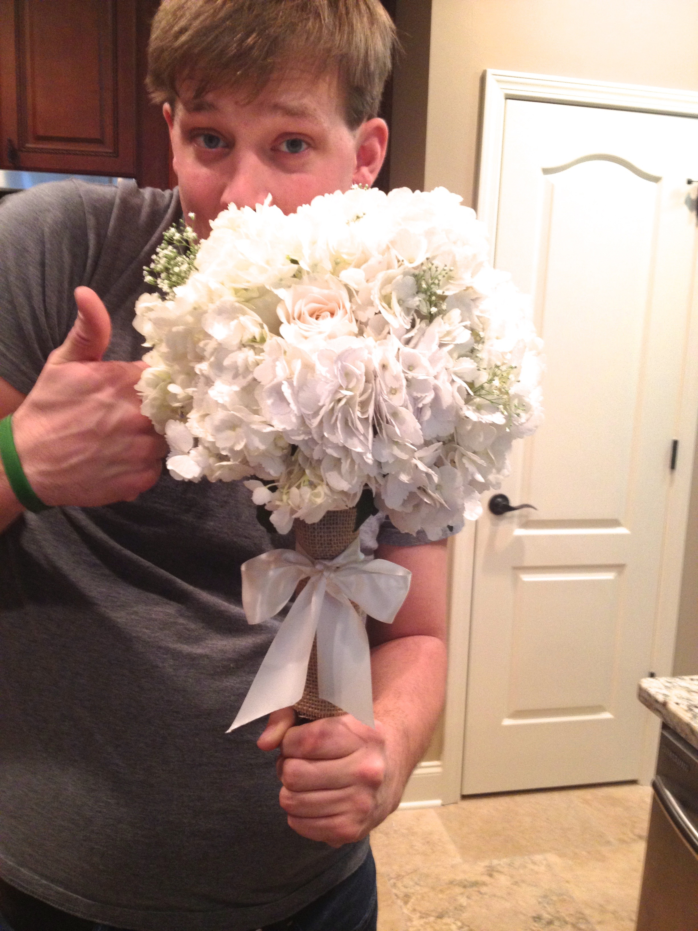 The hubs helping me make bouquets the day before...he's such a trooper.