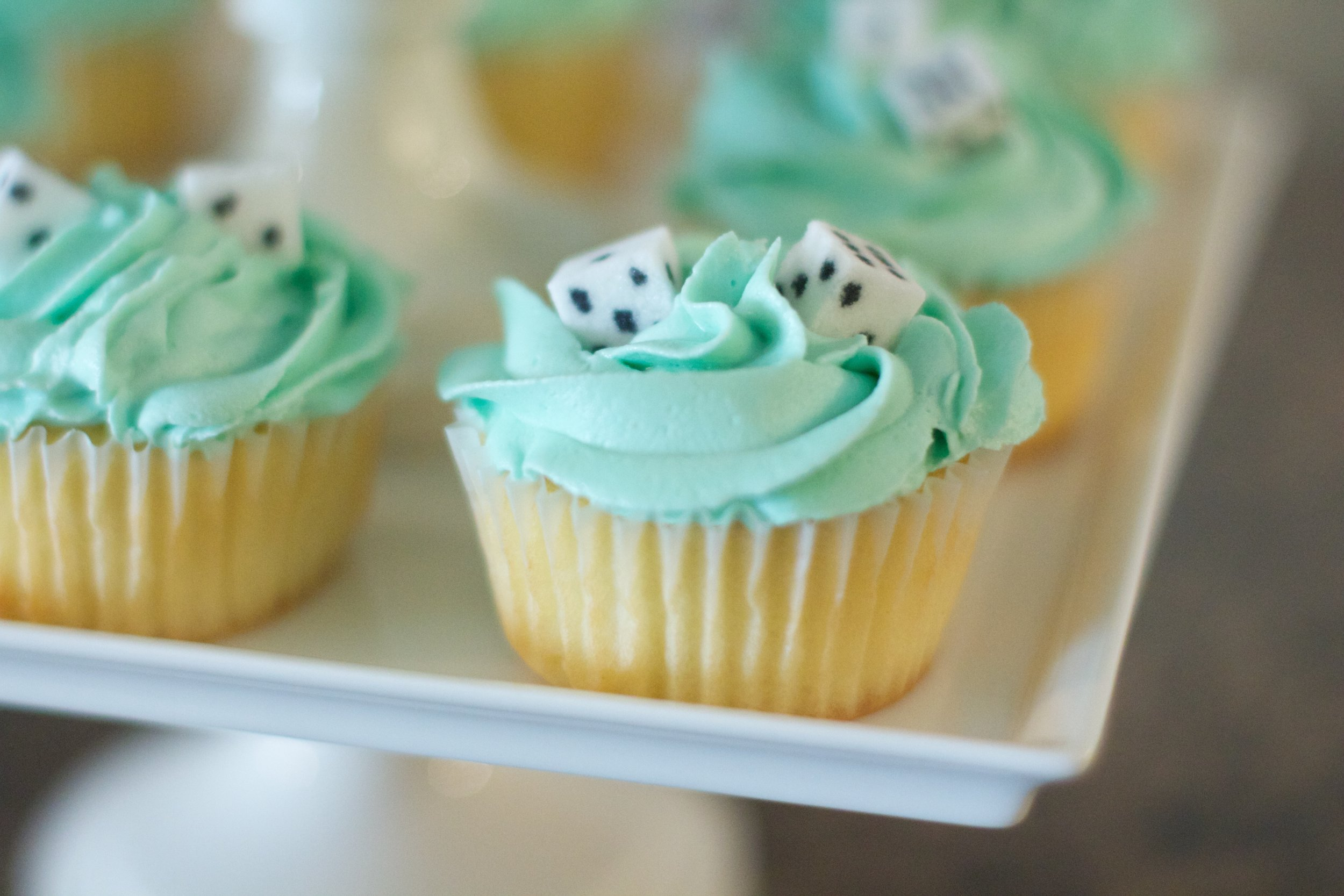 game-night-cupcakes-4