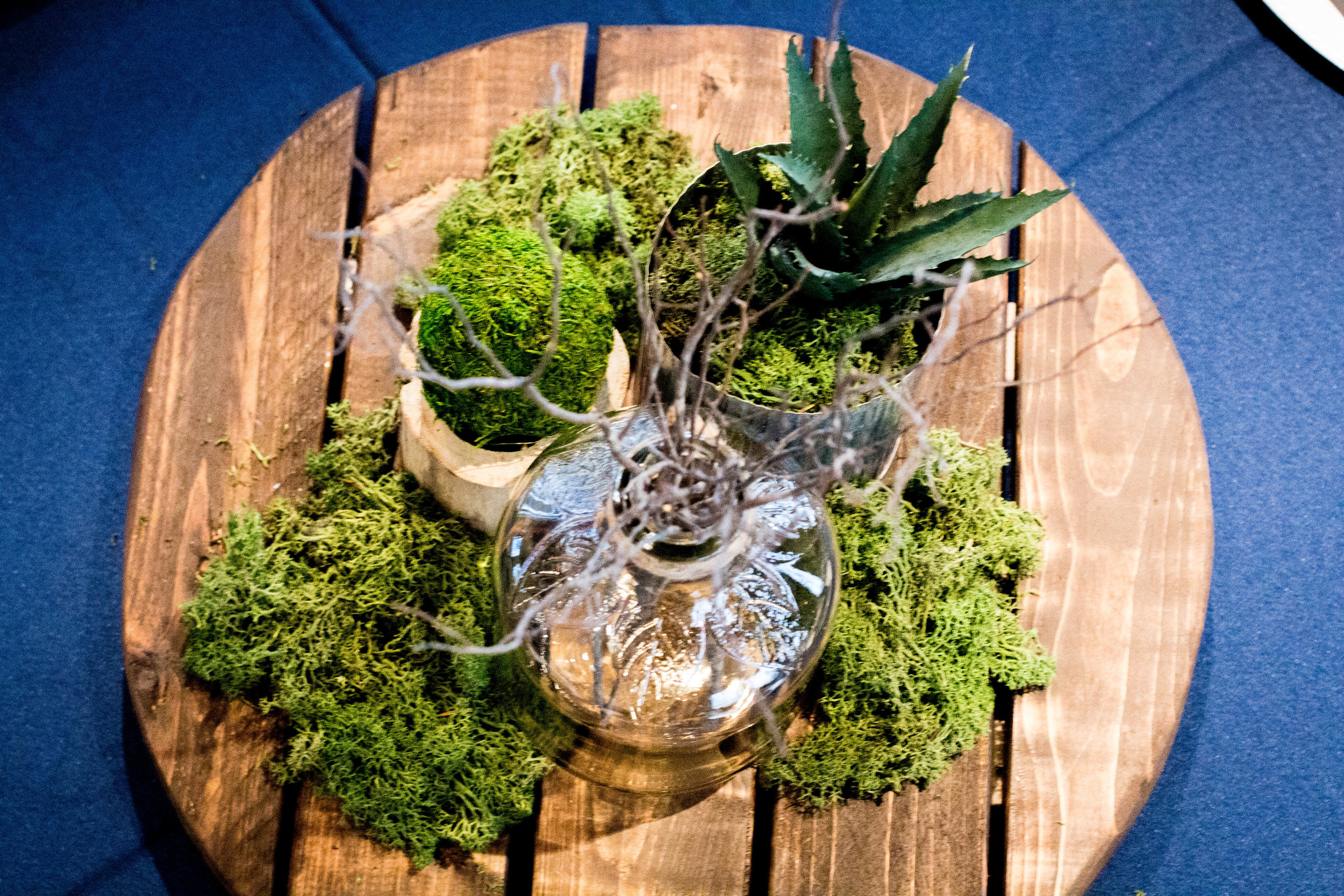 rustic-male-centerpieces