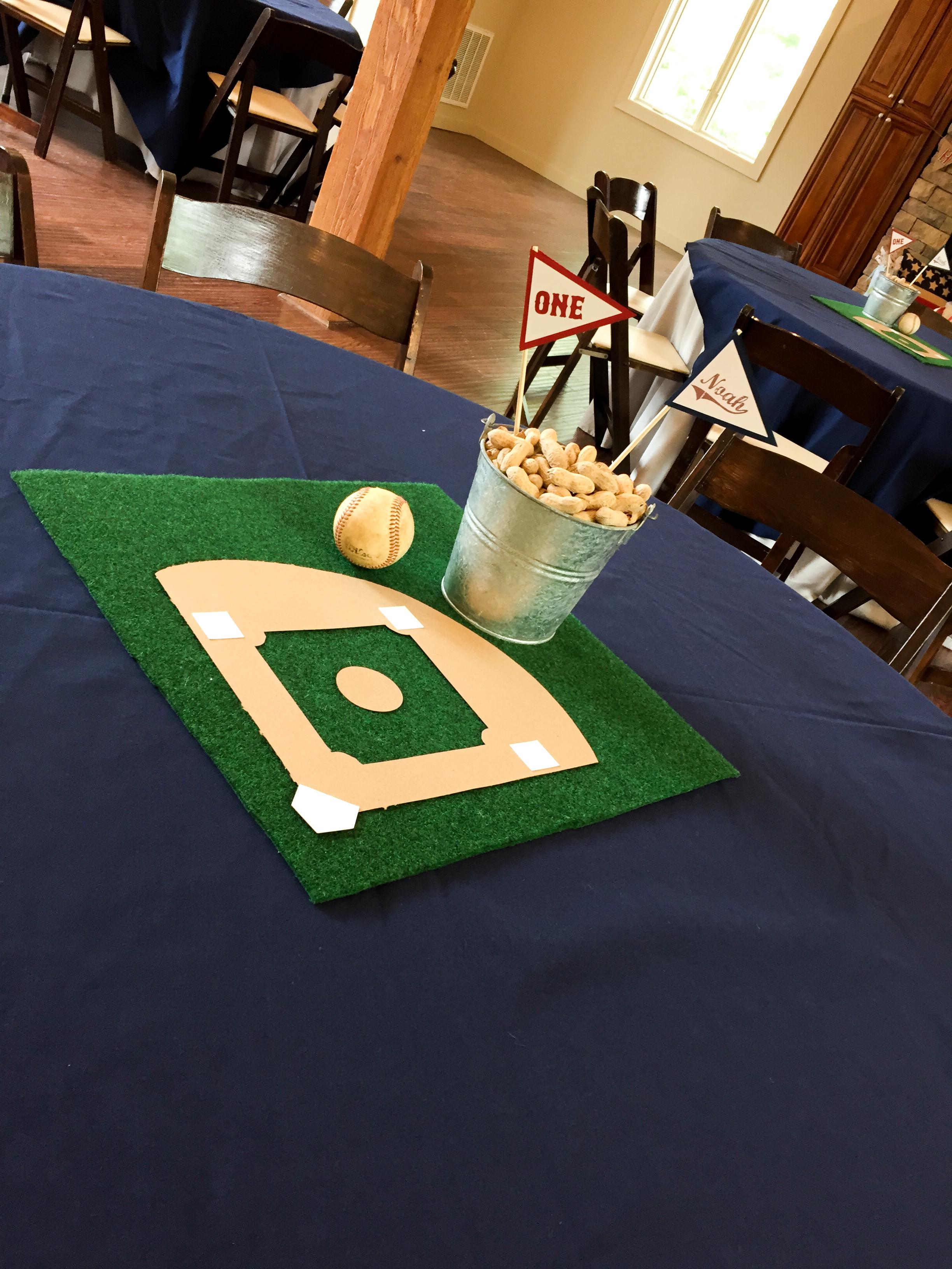 baseball-centerpiece