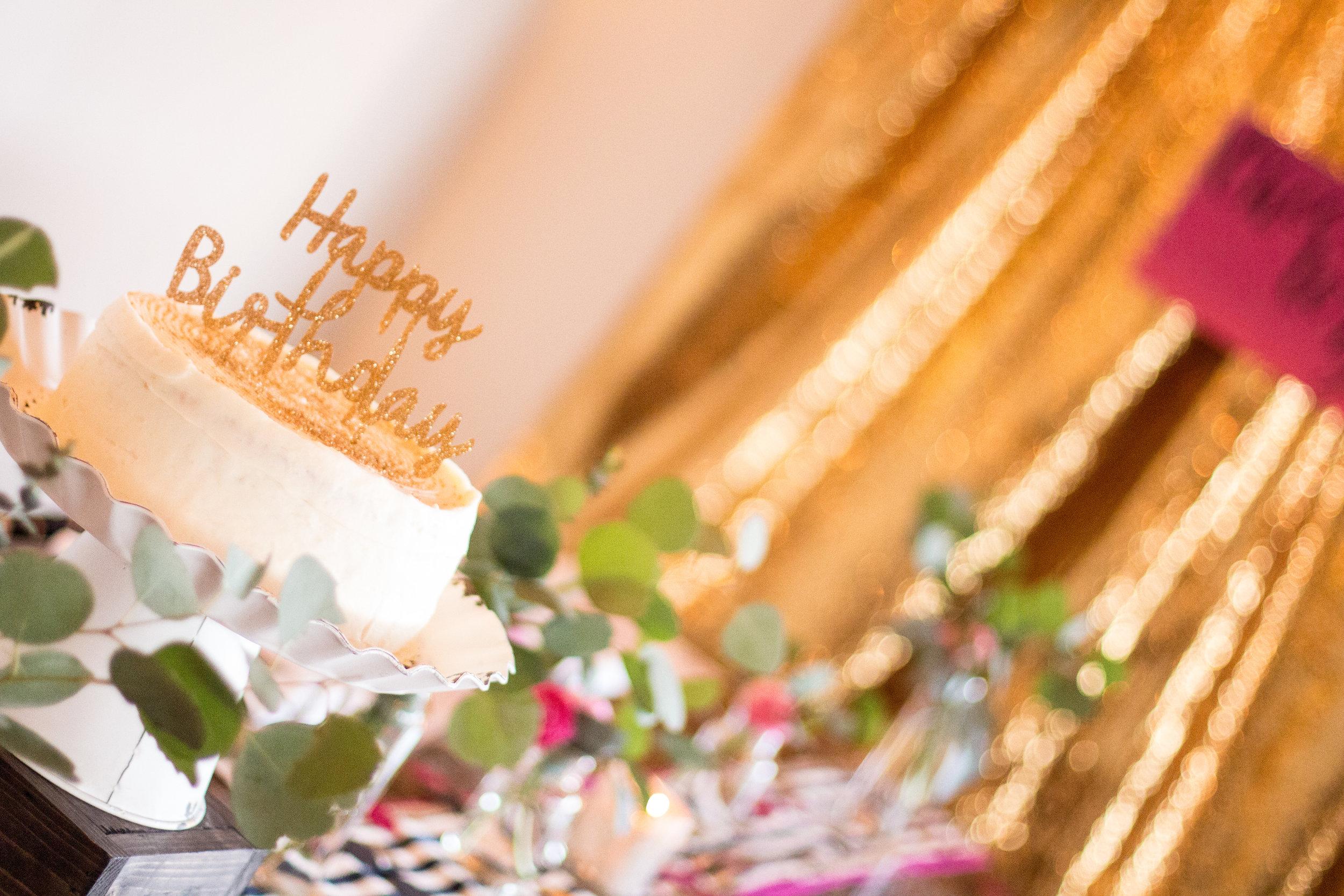 birthday-cake-display