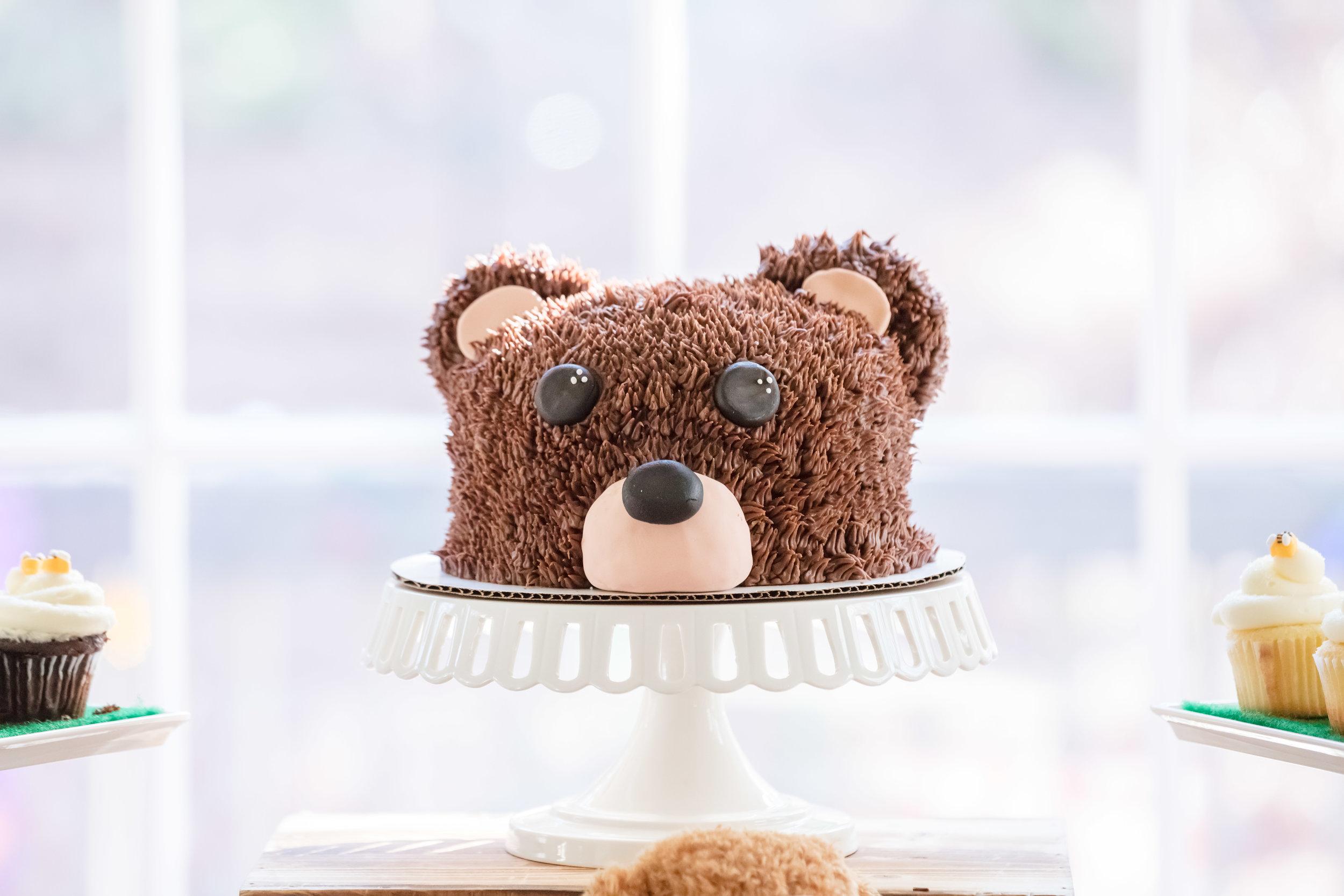bear-smash-cake
