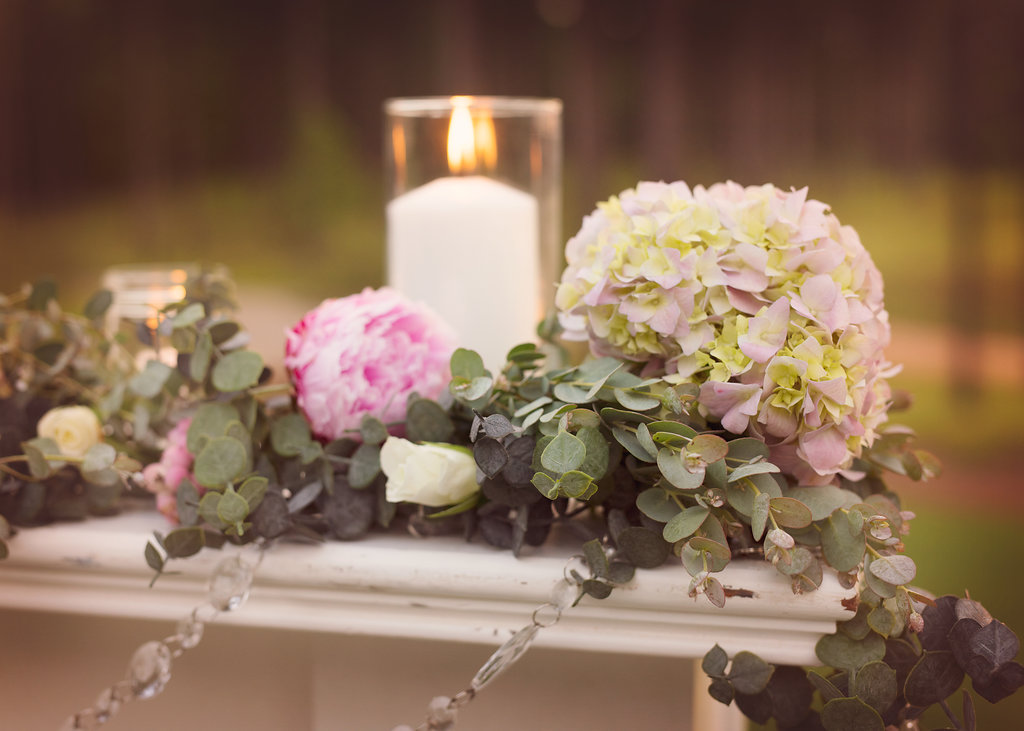 fireplace-mantle-florals