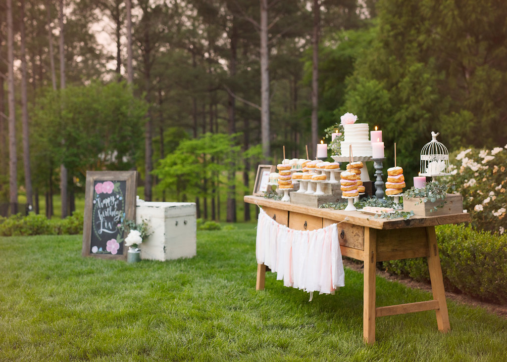 boho-chic-dessert-table