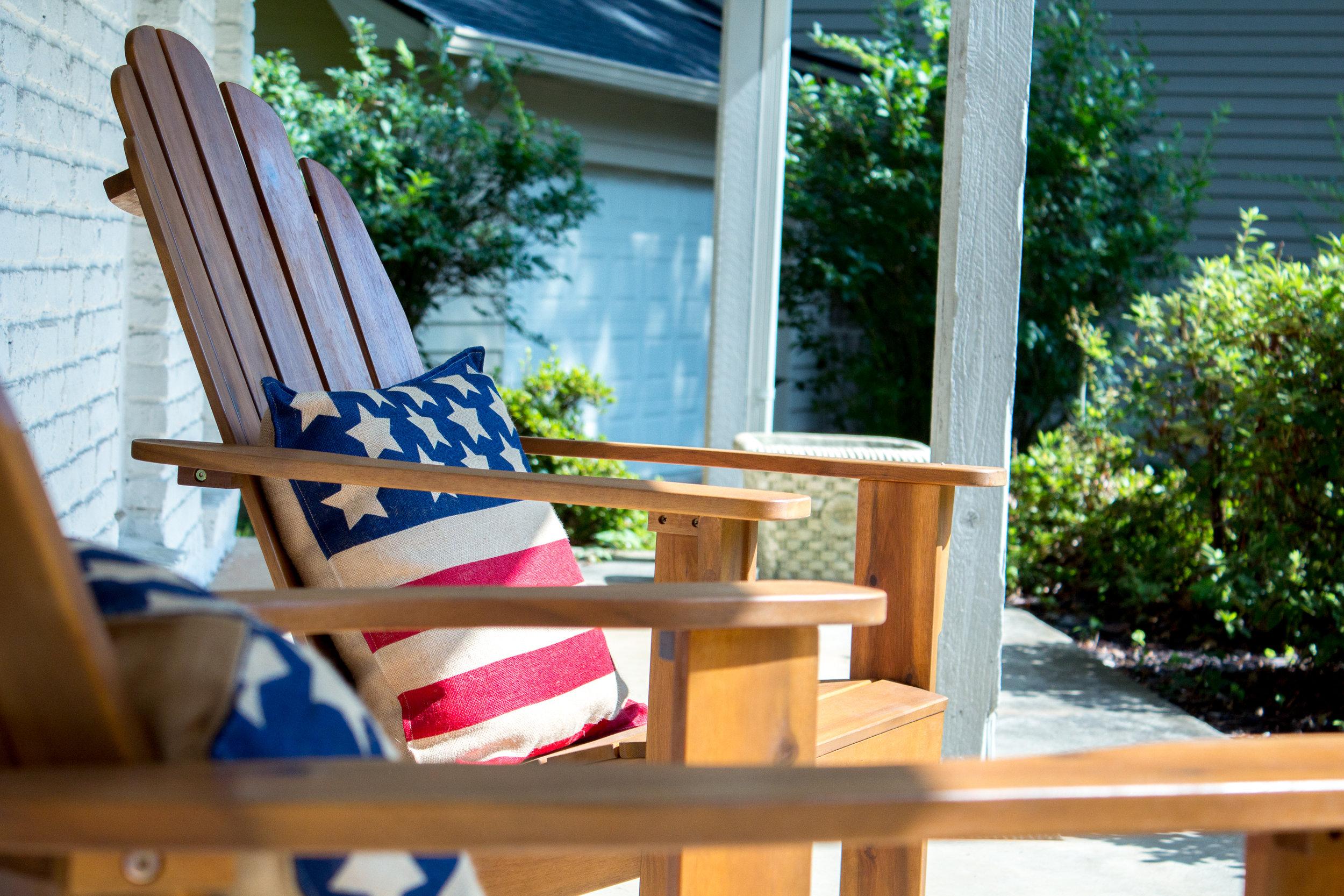adirondack-chairs-flag-pillows