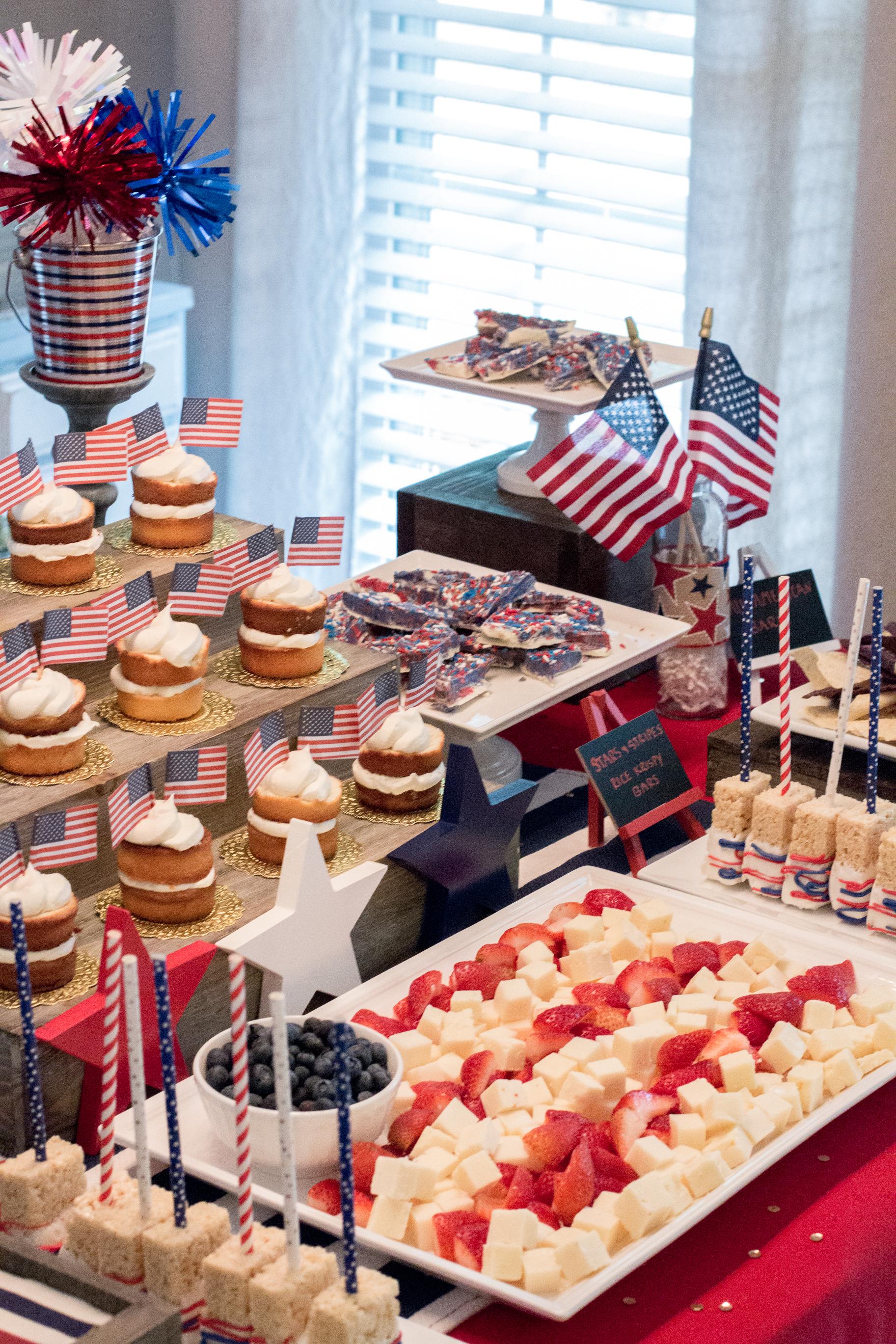 patriotic-food-display
