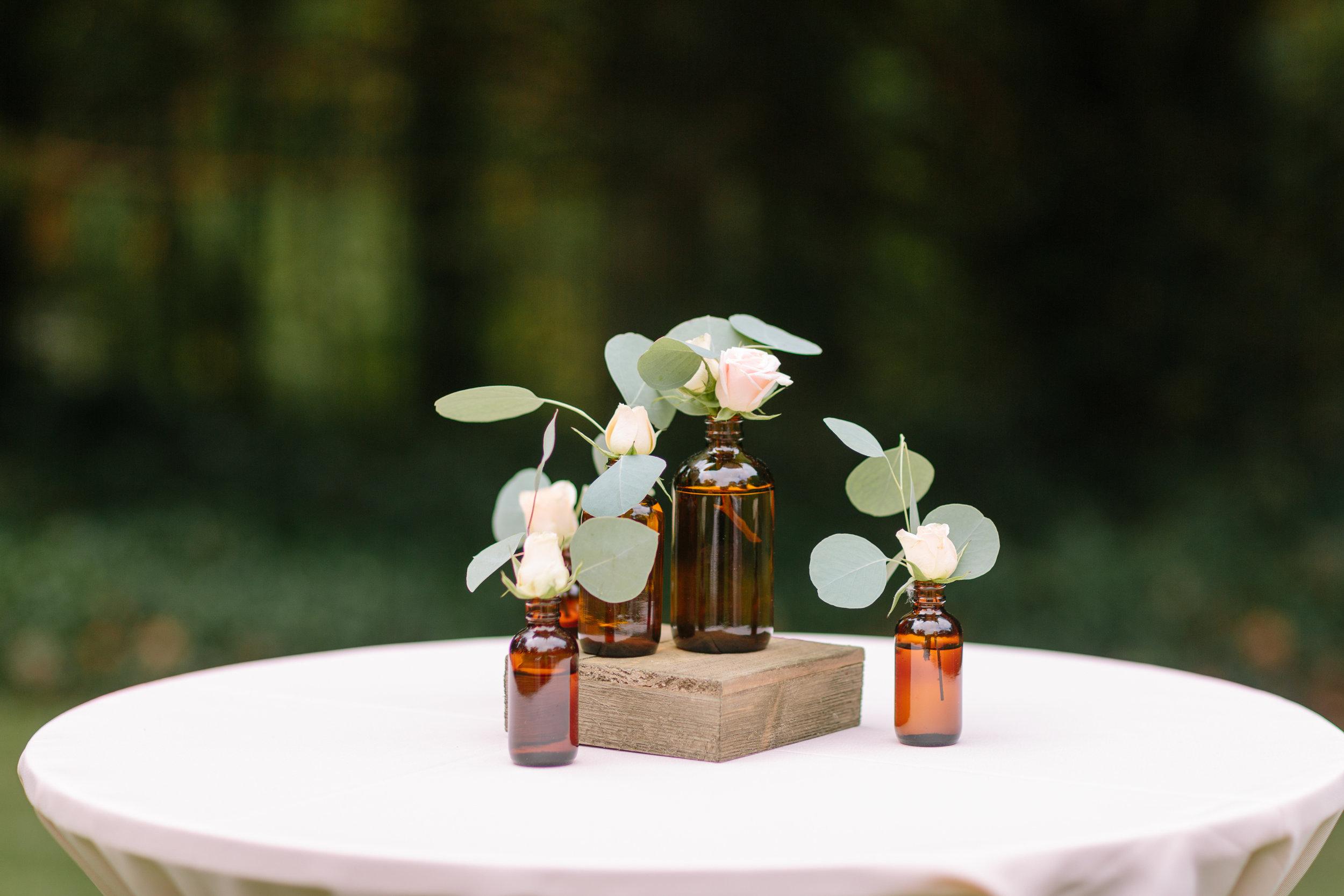 rose-bud-vases