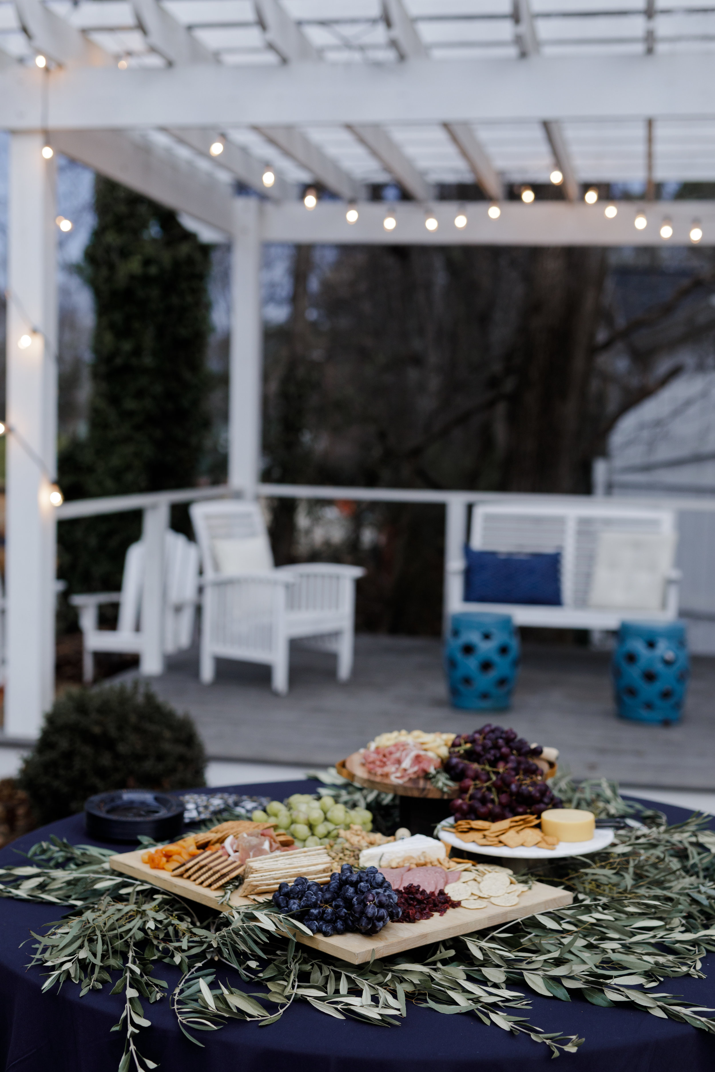 outdoor-charcuterie