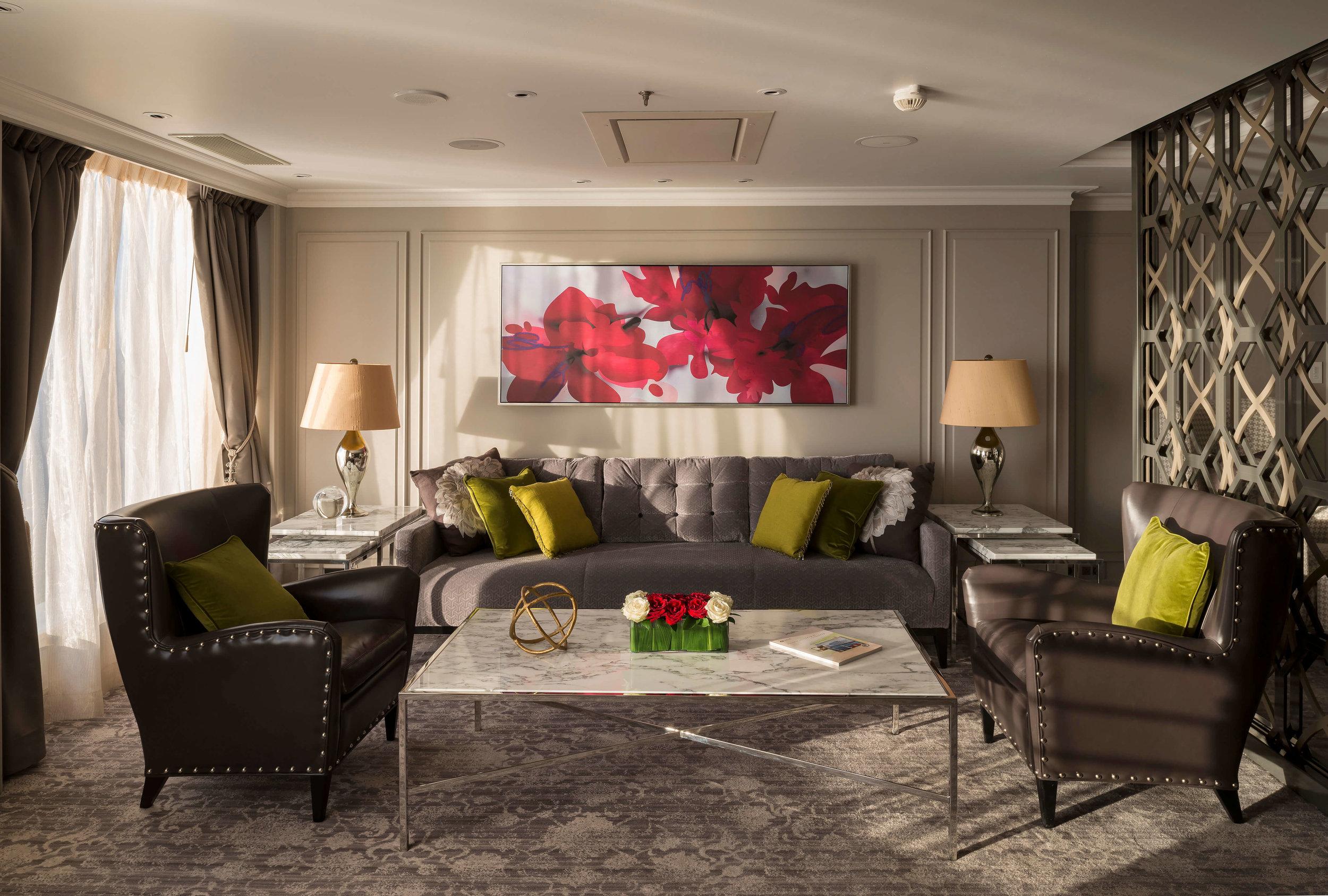 serenity_crystal_penthouse_livingroom_4724x3189c413963d14a76ba6be24ff000080b40b.jpg