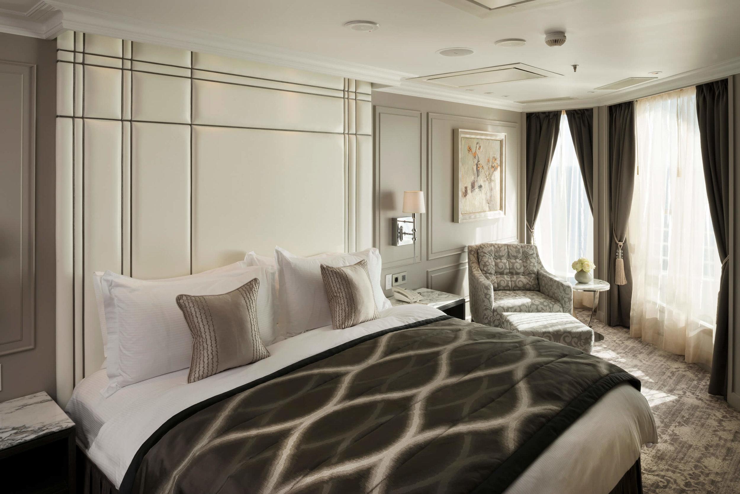 Luxury Reimagined - Crystal Penthouse with Veranda