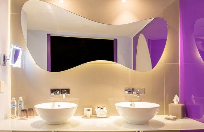 lush-tower-oceanfront-suite-bathroom-thumb-700x453.jpg