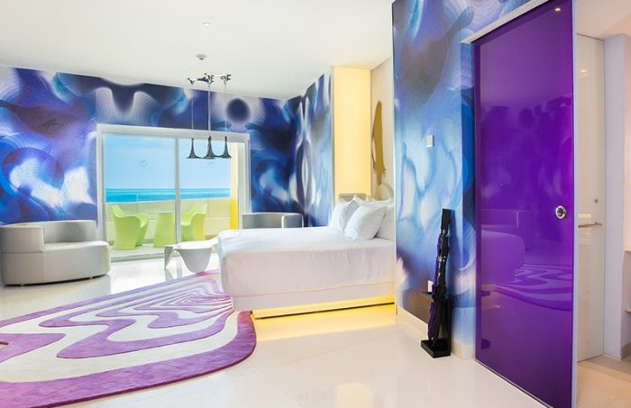 lush-tower-oceanfront-suite-oom-and-bathroom-thumb-700x453.jpg