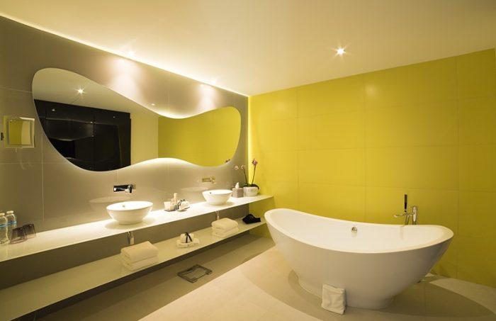 temptation-ph-bathroom-700x453.jpg
