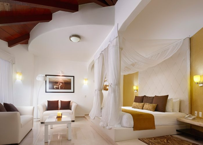 desire-riviera-junior-suite-00-1200x900-1-700x500.jpg