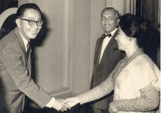 Professor Tay (extreme left) with our First President Yusof Ishak and the First Lady, Puan Noor Aishah,   at the Istana