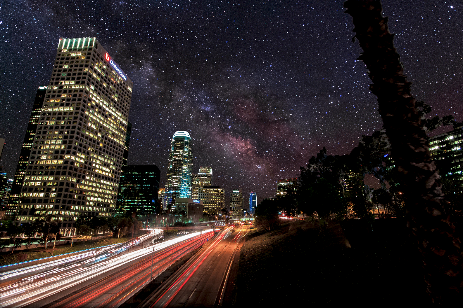 Light Pollution Is No Match for the Milky Way in These Stunning Night Sky Timelapses