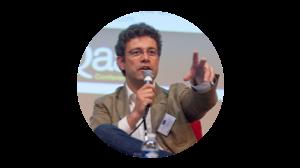 AMAURY DE BUCHET  DIRECTEUR GÉNÉRAL Fondateur de Greenspace, Amaury est également professeur affilié à ESCP Europe où il enseigne l'Entrepreneuriat et le Management de l'Innovation. Grand amateur de vin et de bandes dessinées, officier de Marine de réserve, il est marié et l'heureux père de 3 filles.
