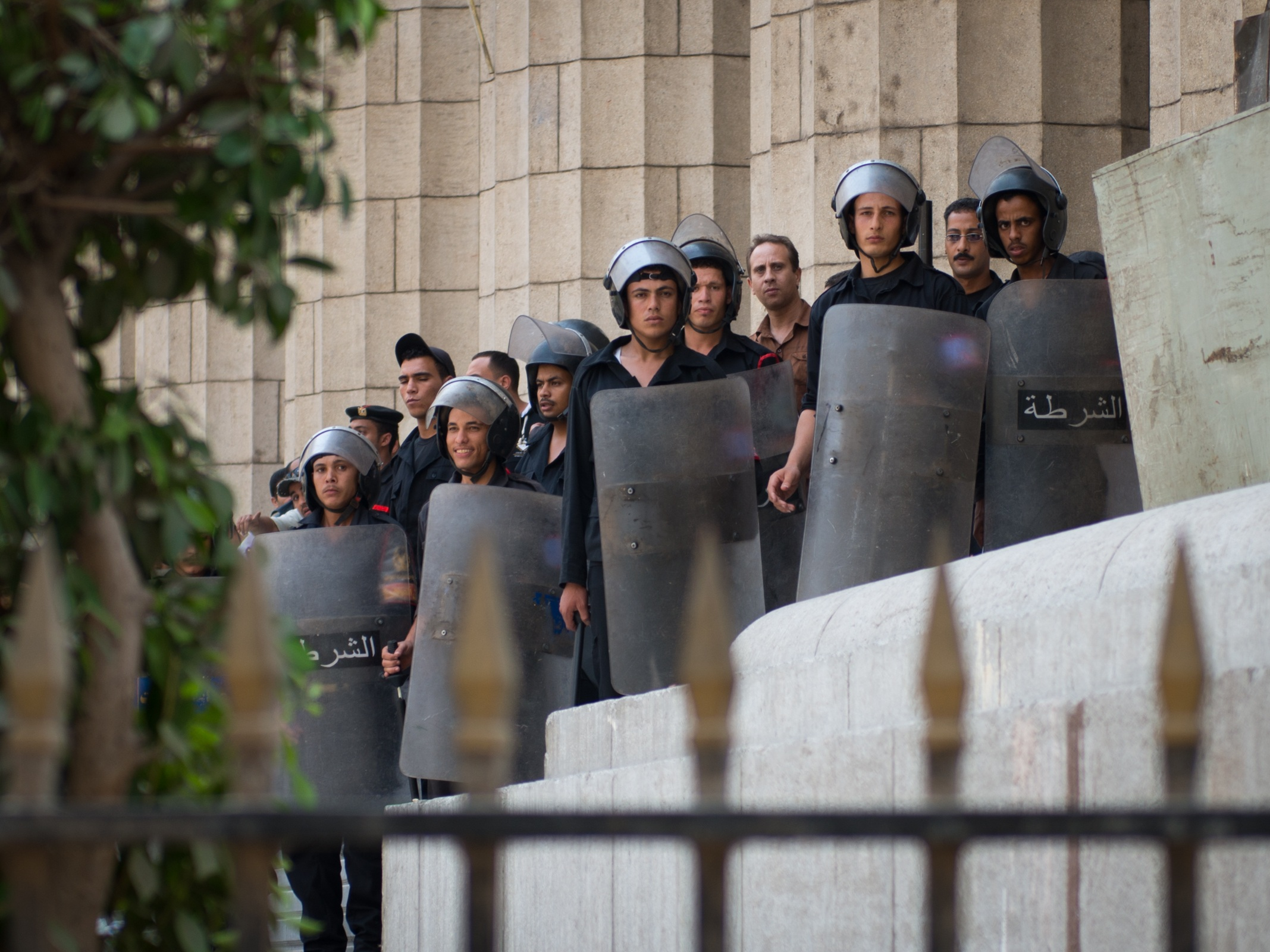 Egyptian police with shields at the Cairo Supreme Court
