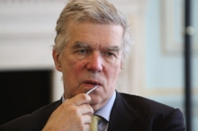 440px-Robert_Cooper_at_the_Europe_and_the_world_in_2023_-_Jubilee_Dialogue_event_in_London.jpg