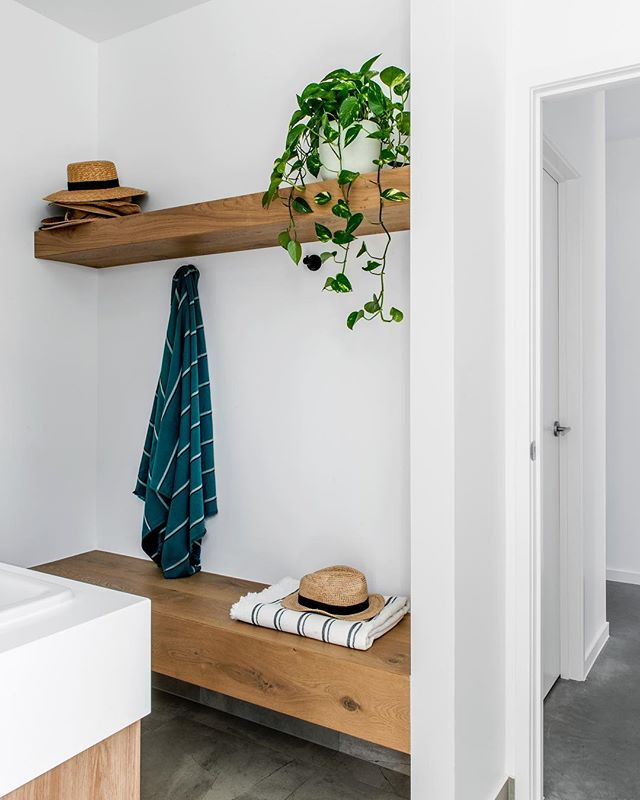the pool change room. . a family friendly bathroom concept at our clayfield project. Image @cathyschusler. . #residentialdesign #interiordesign #bathroomdesign #bathroominspo #pool #summertime #changeroom #insideout #familyhomes #queenslandhomes #clayfield #queenslandinteriors #australianinteriors #morganbraithwaitedesign #favellarchitects