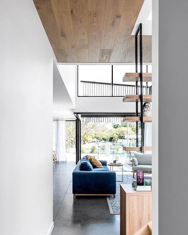 at our light filled Clayfield house. image @cathyschusler. . #residentialdesign #house #renovation #contemporarydesign #modernextension #queenslandhouses #queenslandhomes #bhbne #clayfield #brisbanearchitecture #lightandventilation #openplanliving #insideout #favellarchitects