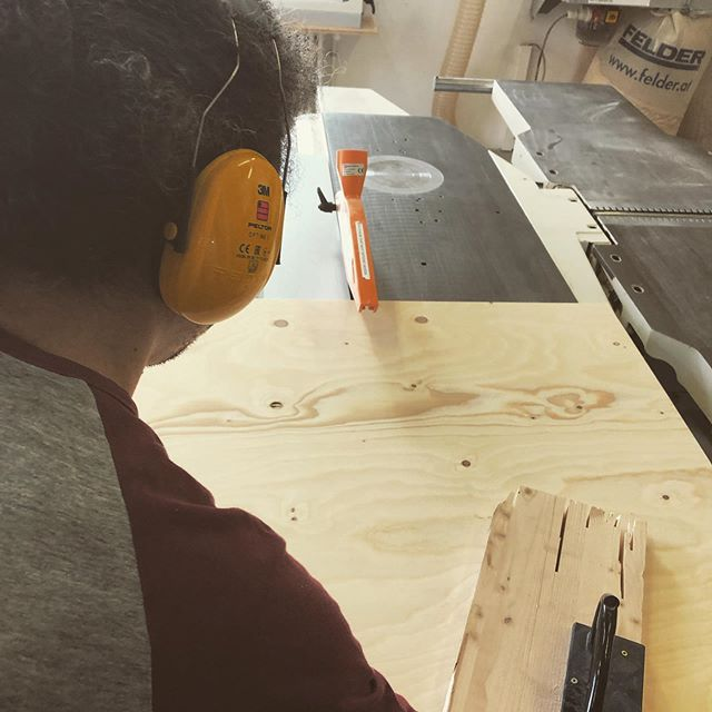 Wood cutting  #sawdustismyglitter #kleinhafen #coworking #podestinthemaking #doityourself