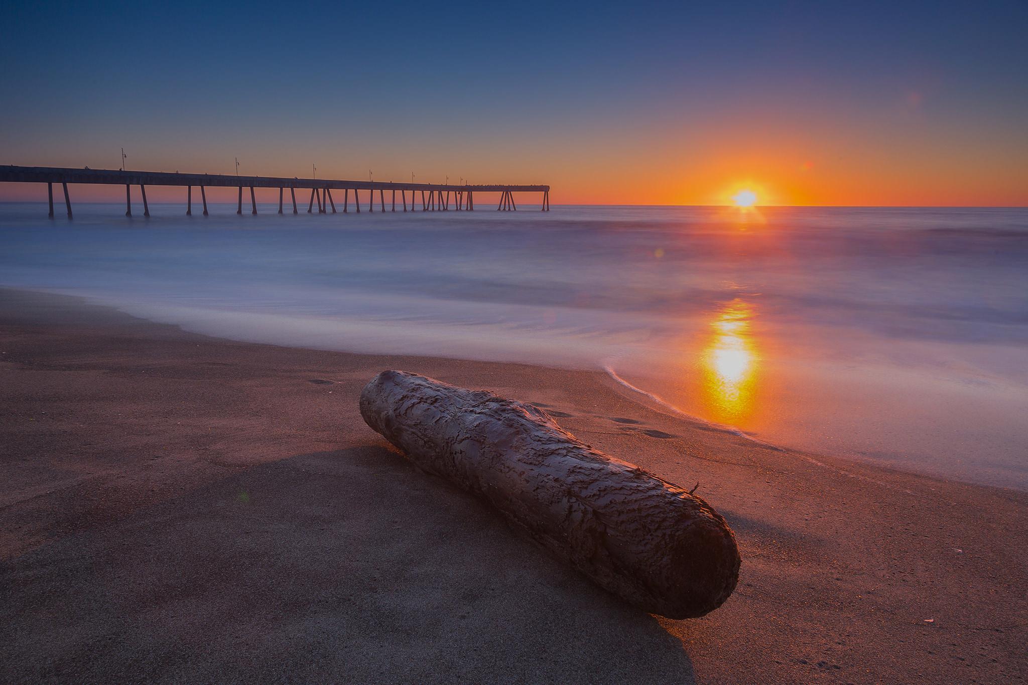 Sunset at Pacifica Municipal Pier.jpg