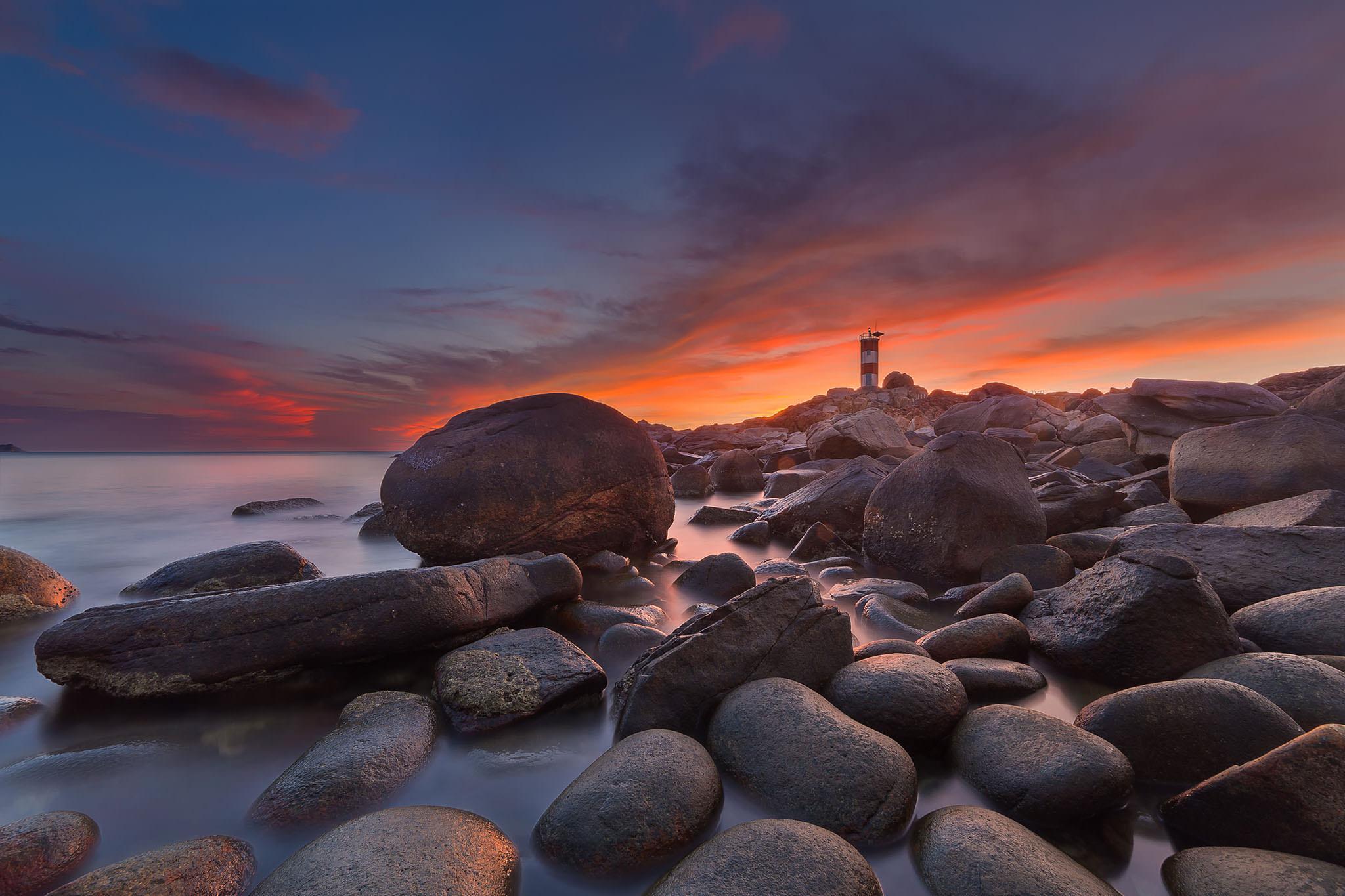 Ganh Den Lighthouse.jpg