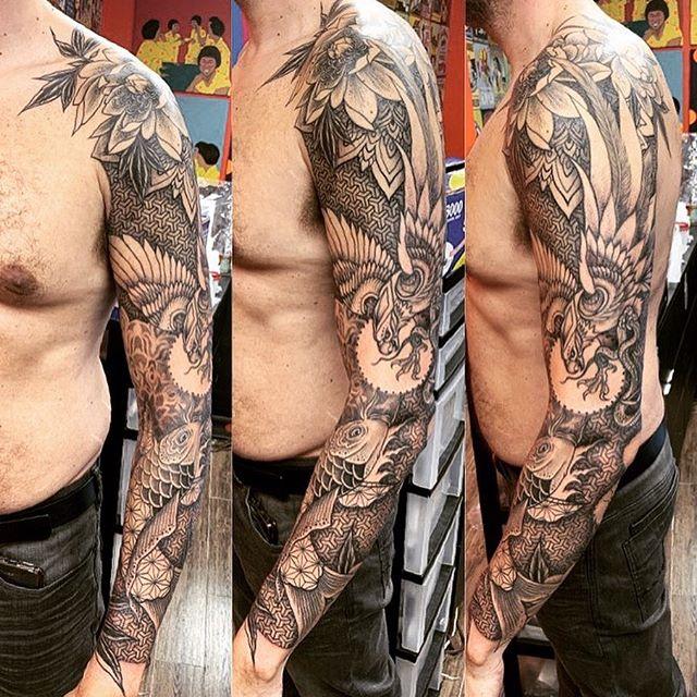 ❤️ #tattoobyyoung #geometrictattoo #blackink #blxckink #animalmandala #inked #inkedmag #skinart