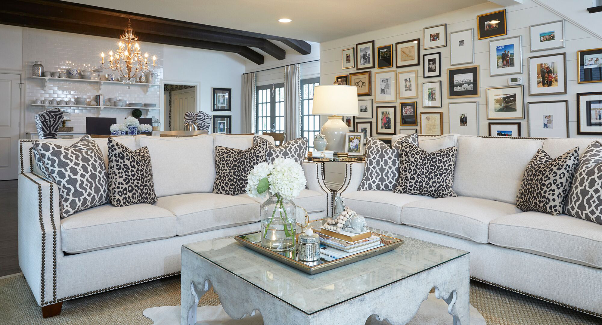 2018 Hewett Living Room 2.jpg