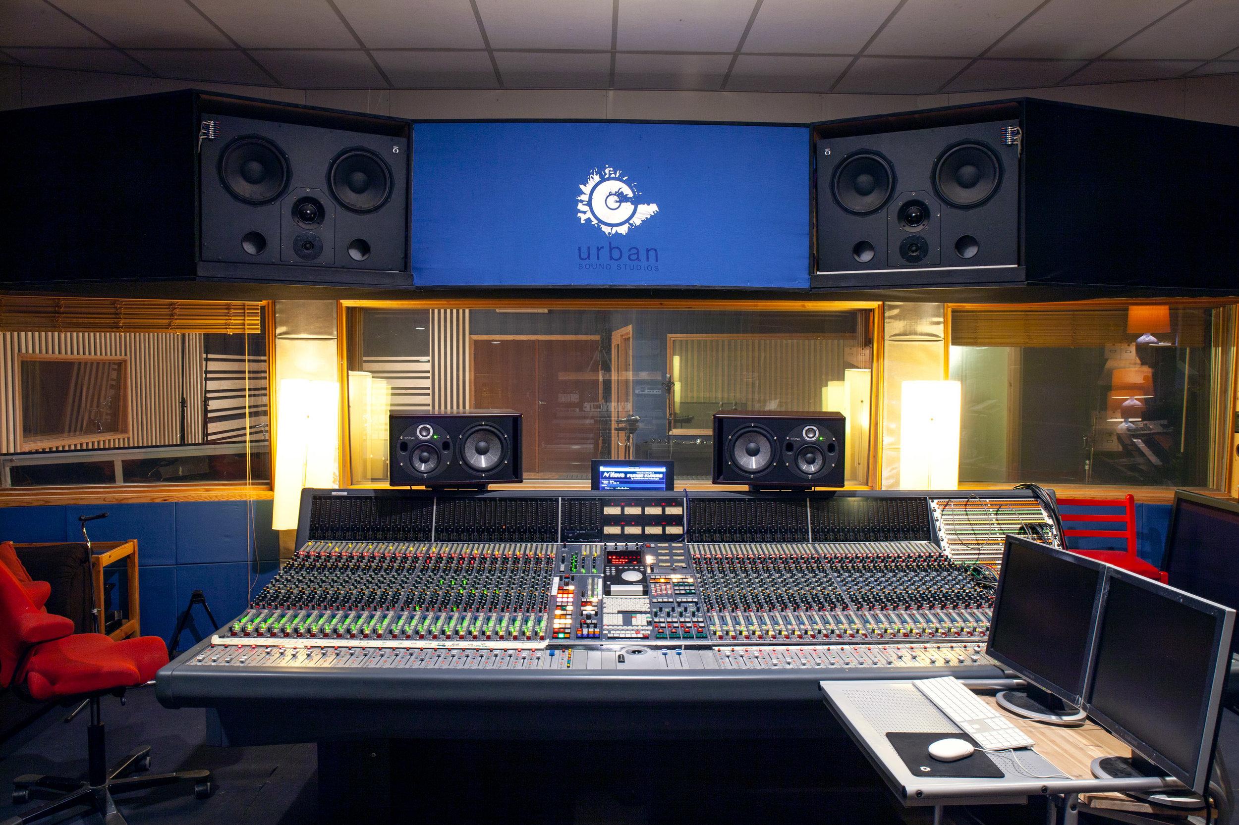Studio A_3888.jpg