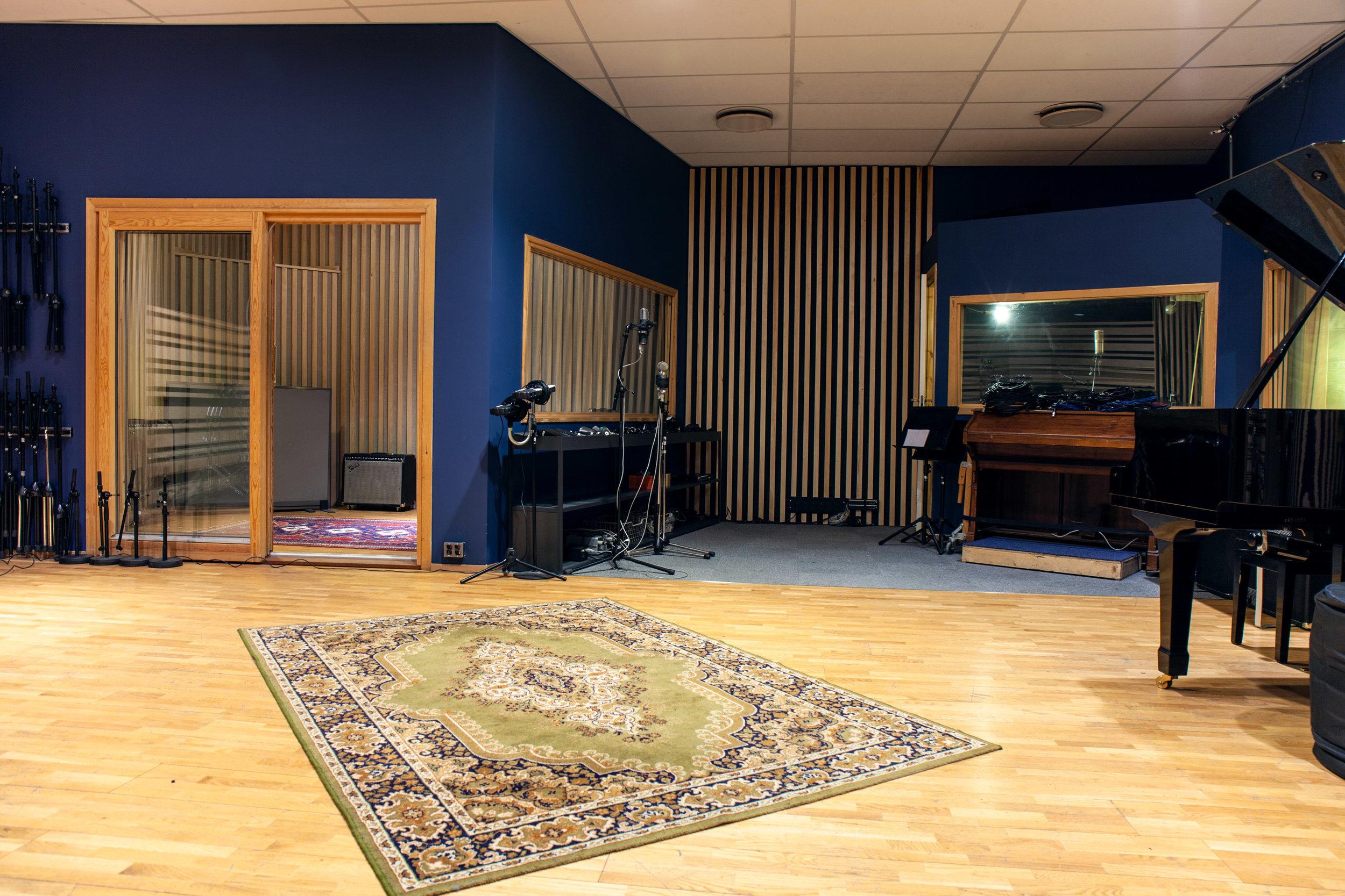 Studio A_3878.jpg