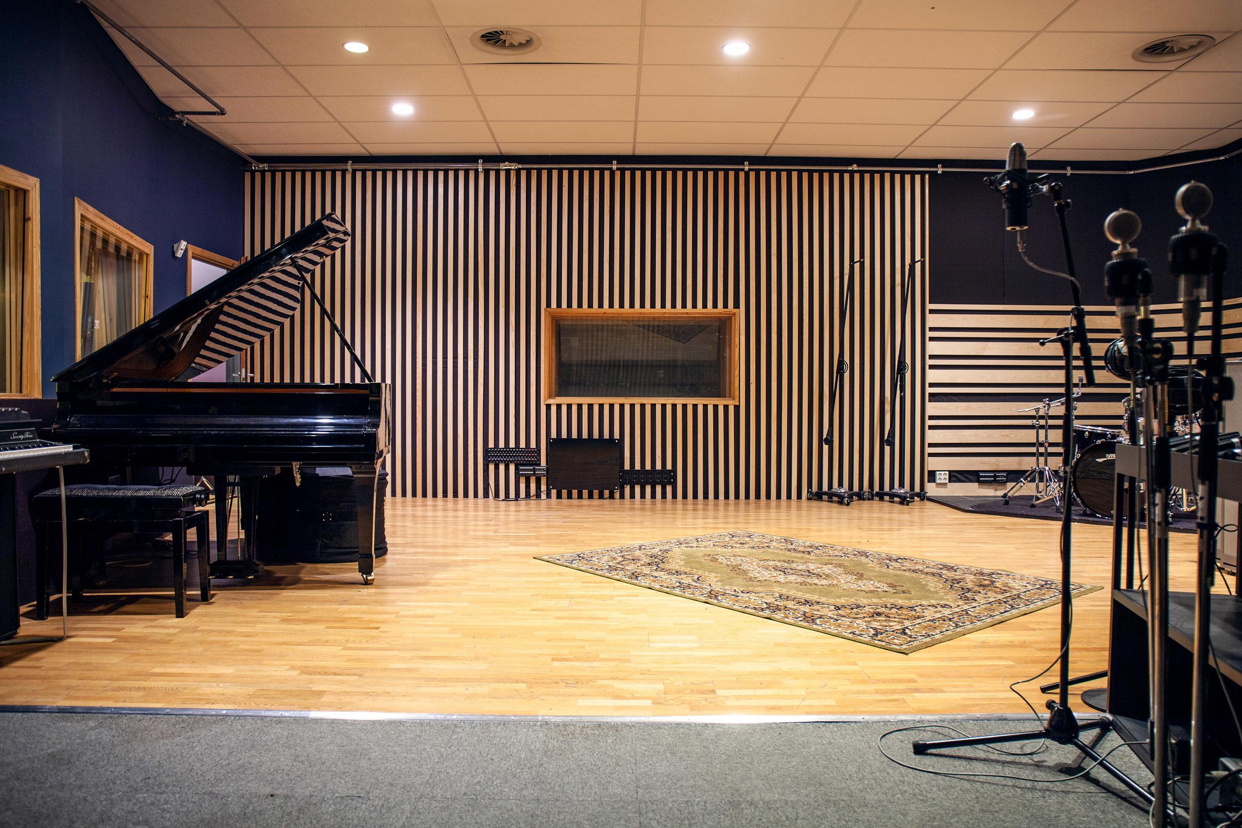 Studio A_3880.jpg