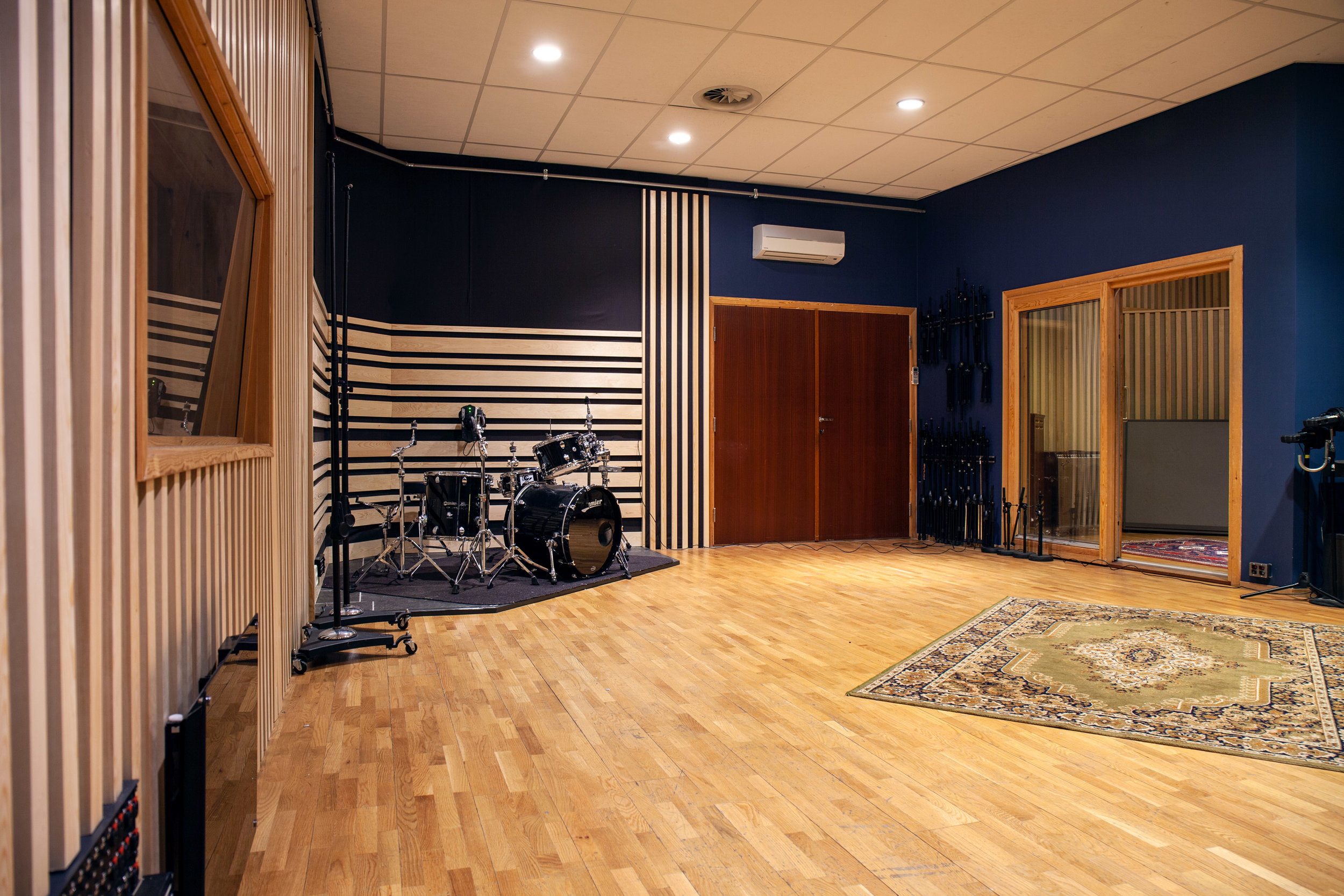Studio A_3877.jpg