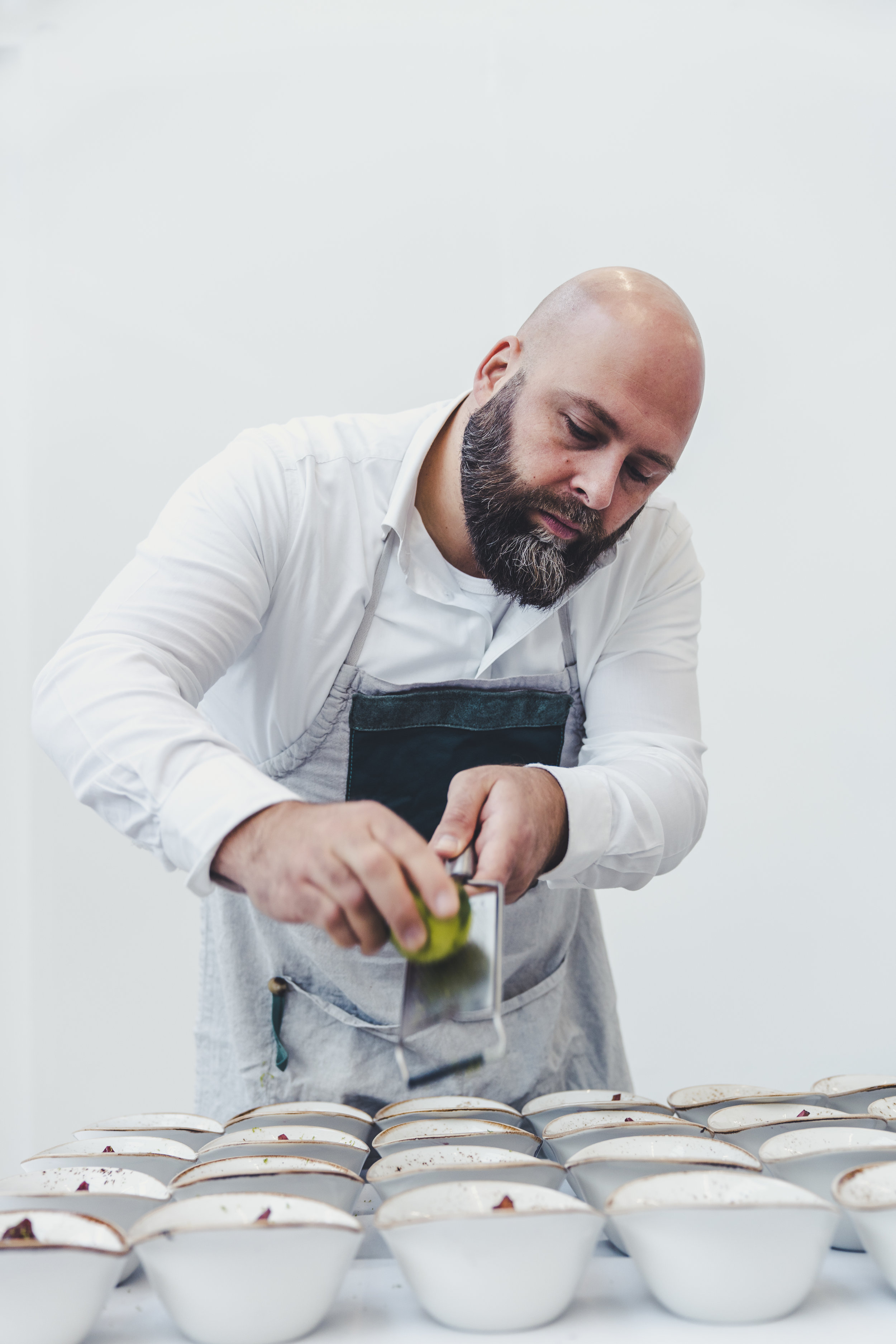 Remco is a passionated chef. His beard is REAL! During the week he works as a pricing manager for YoungCapital.